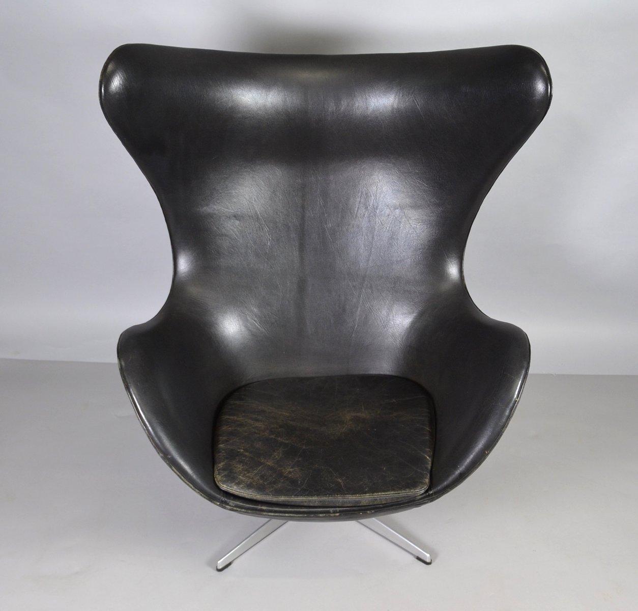 egg stuhl aus leder von arne jacobsen f r fritz hansen 1970er bei pamono kaufen. Black Bedroom Furniture Sets. Home Design Ideas