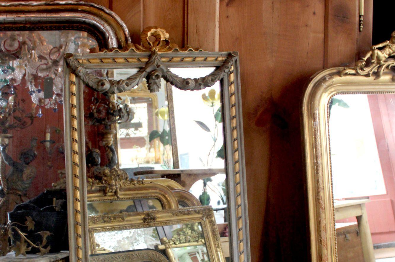 bemalter franz sischer spiegel im stil von louis xv bei pamono kaufen. Black Bedroom Furniture Sets. Home Design Ideas