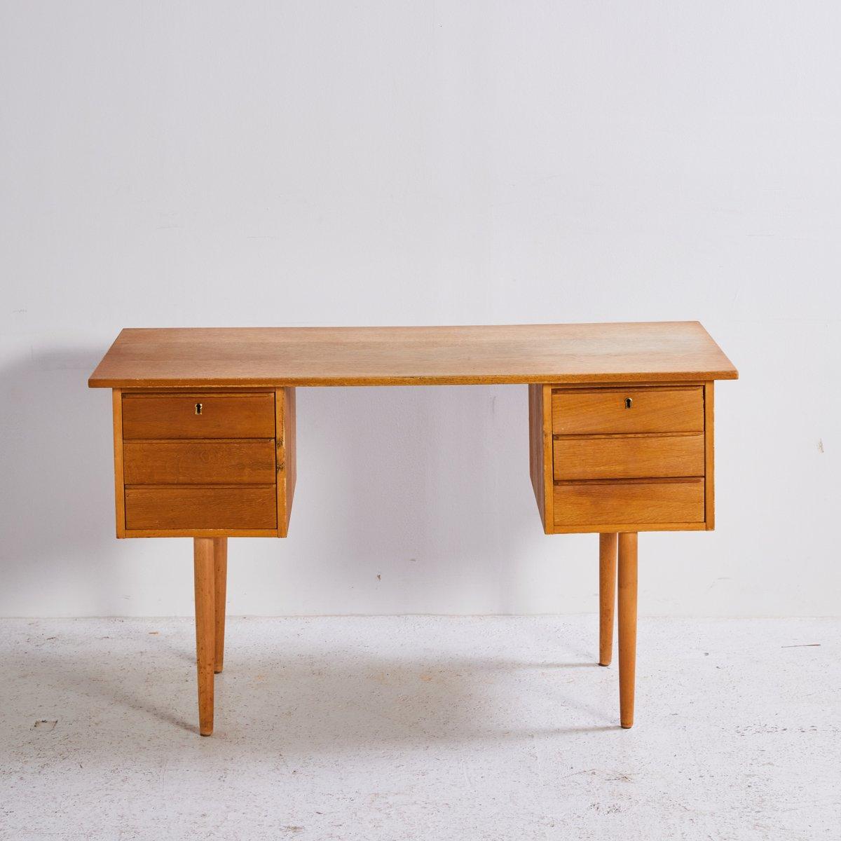 eichenholz schreibtisch mit 6 schubladen 1960er bei pamono kaufen. Black Bedroom Furniture Sets. Home Design Ideas