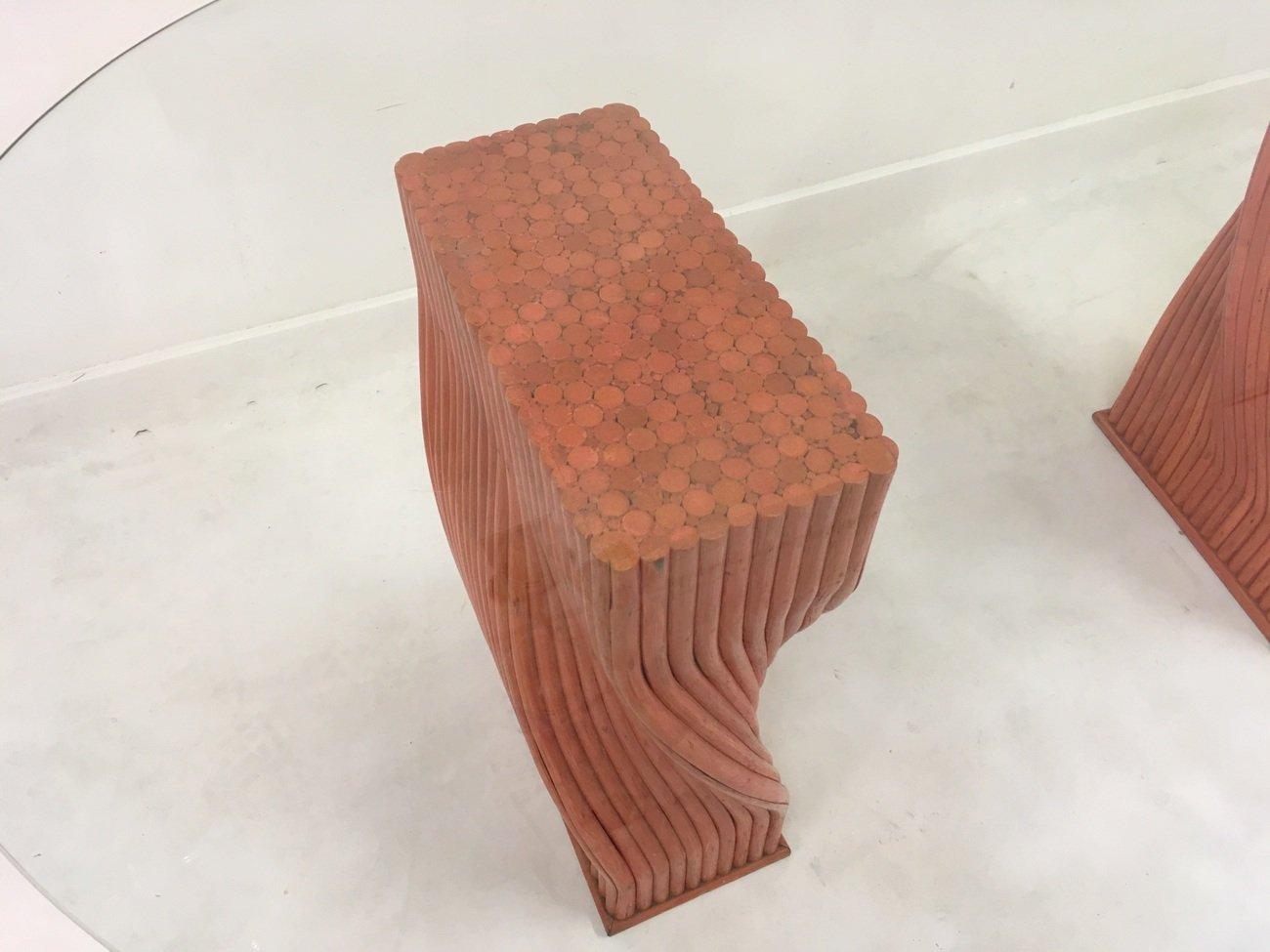 Mesa de comedor vintage de bambú rojo con superficie de vidrio de ...