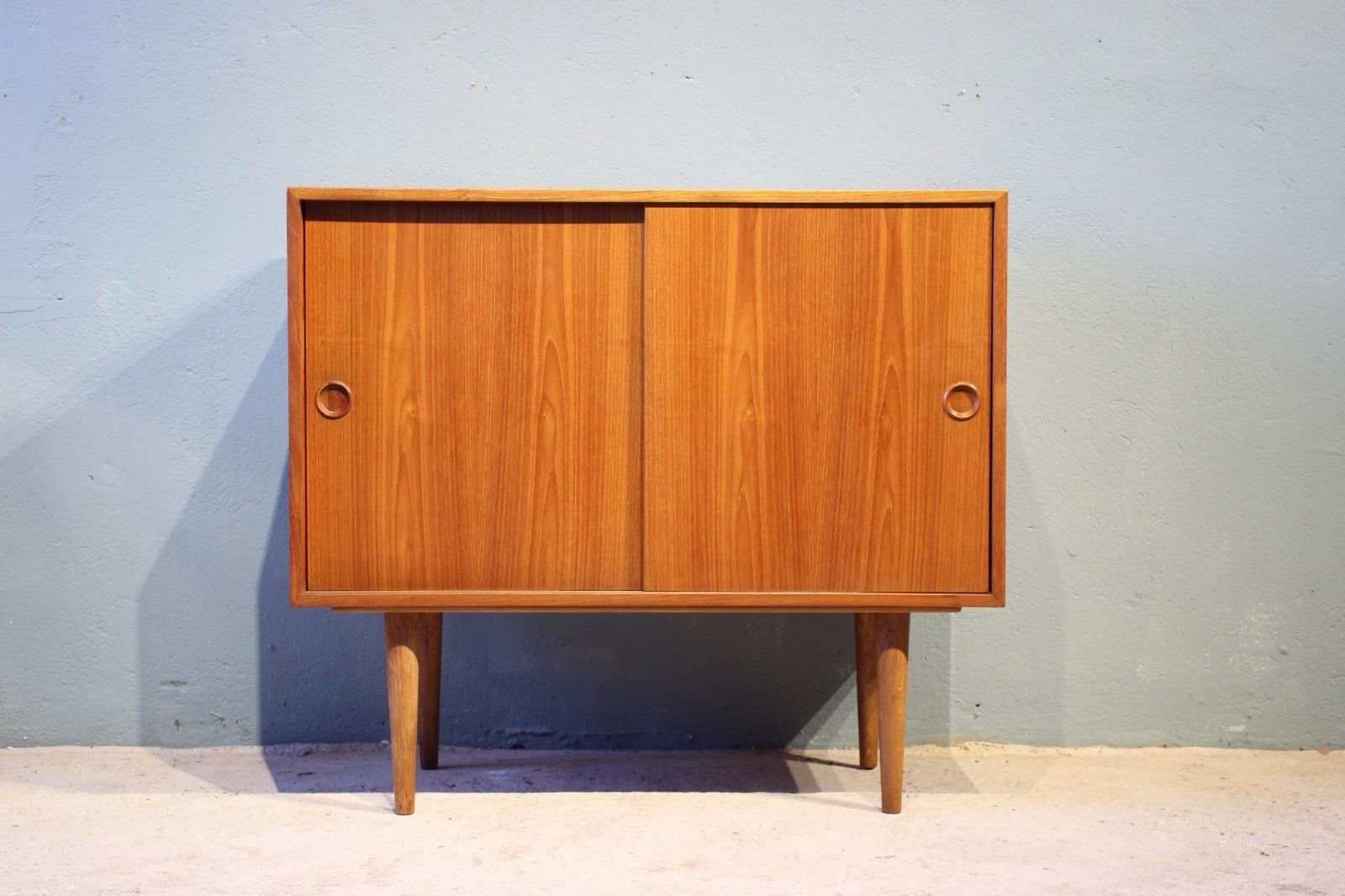 d nisches teak sideboard von kai kristiansen f r fm m bler 1960er bei pamono kaufen. Black Bedroom Furniture Sets. Home Design Ideas