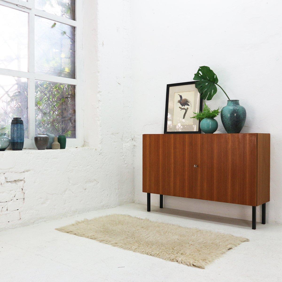 teak kommode mit zwei t ren von idee m bel 1960er bei pamono kaufen. Black Bedroom Furniture Sets. Home Design Ideas
