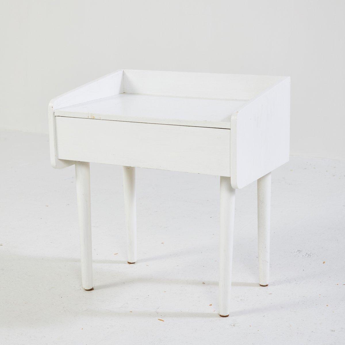 wei er d nischer nachttisch 1960er bei pamono kaufen. Black Bedroom Furniture Sets. Home Design Ideas