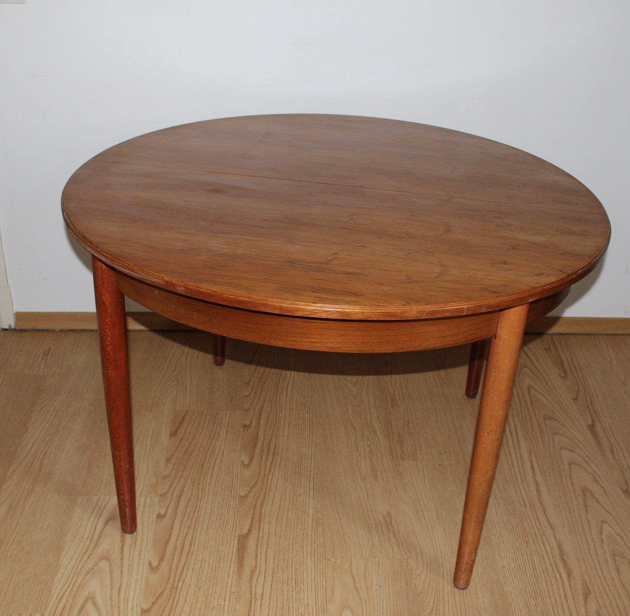 skandinavischer runder tisch 1960er bei pamono kaufen. Black Bedroom Furniture Sets. Home Design Ideas