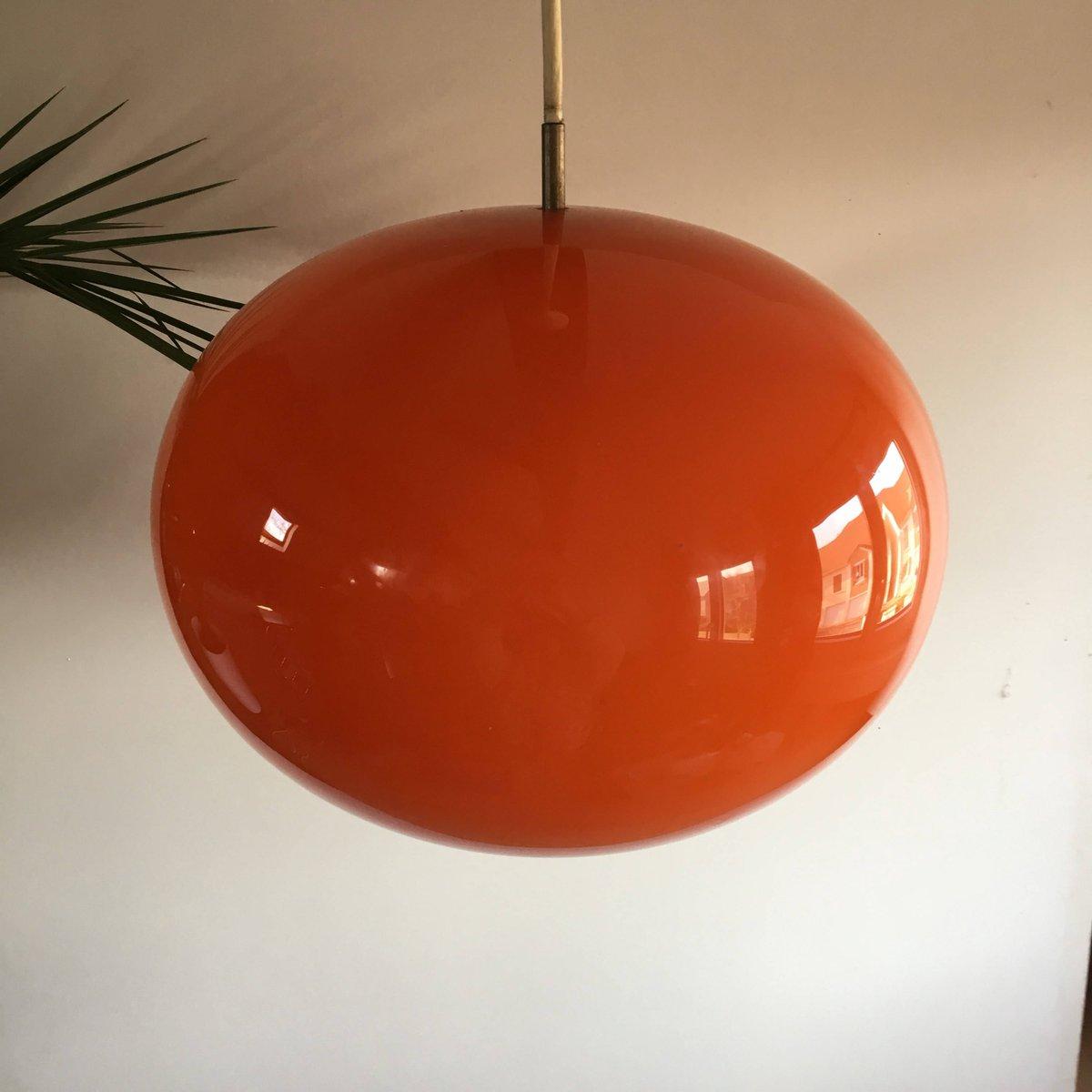 gro e h ngelampe aus orangefarbenem opalglas 1970er bei. Black Bedroom Furniture Sets. Home Design Ideas