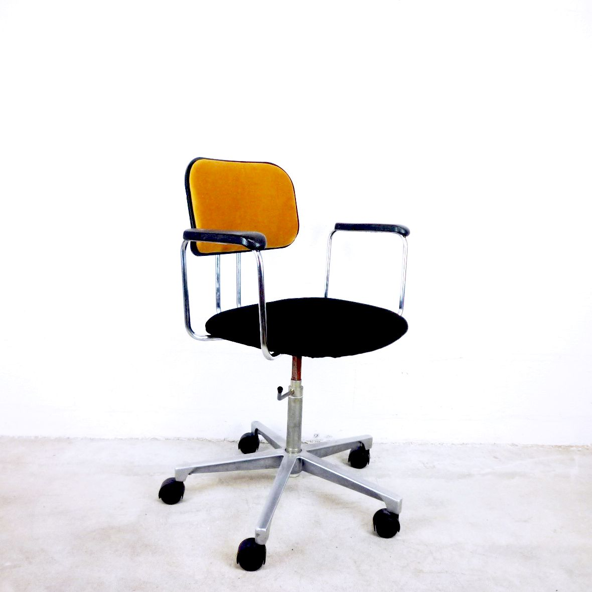 Vintage Swedish Velvet Office Chair From AB Kontor Möbler For Sale At Pamono