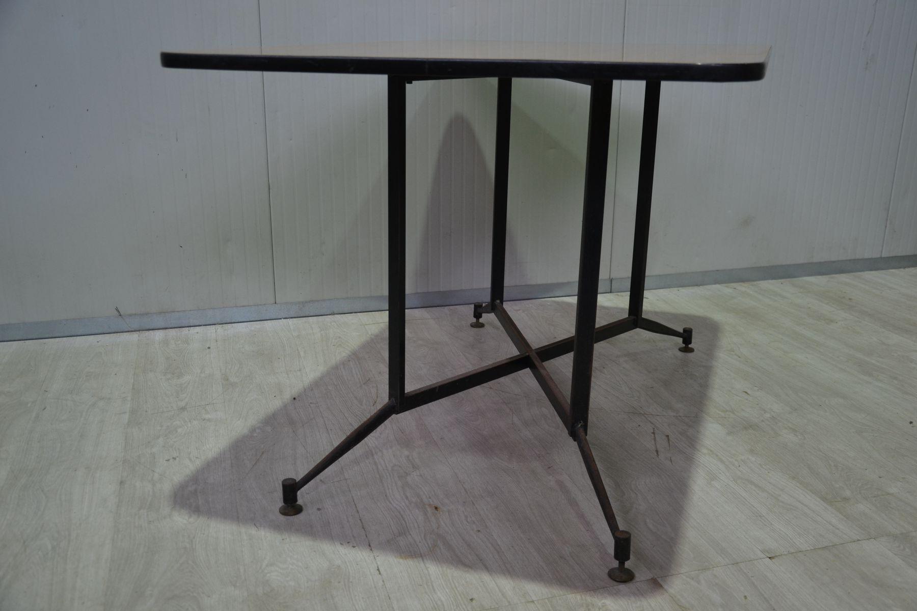 tisch und vier st hle 1950er bei pamono kaufen. Black Bedroom Furniture Sets. Home Design Ideas