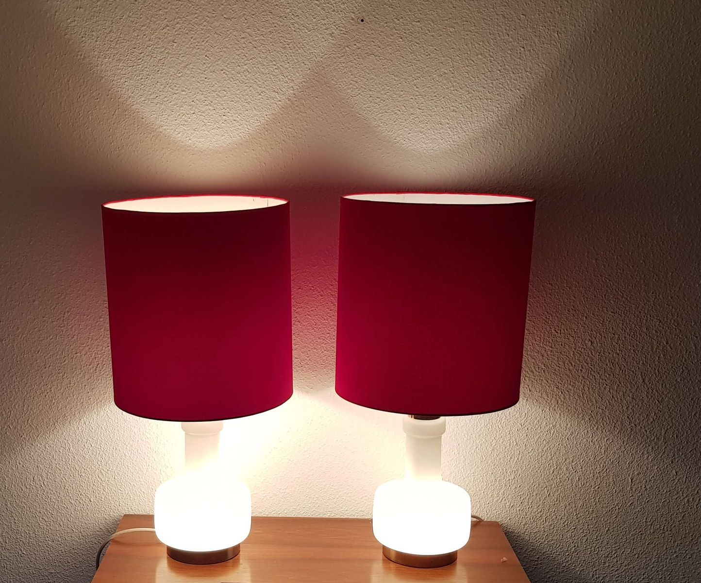 Glass Lamp Bases South Africa: Milk Glass Lamps With Illuminated Base And Red Shade
