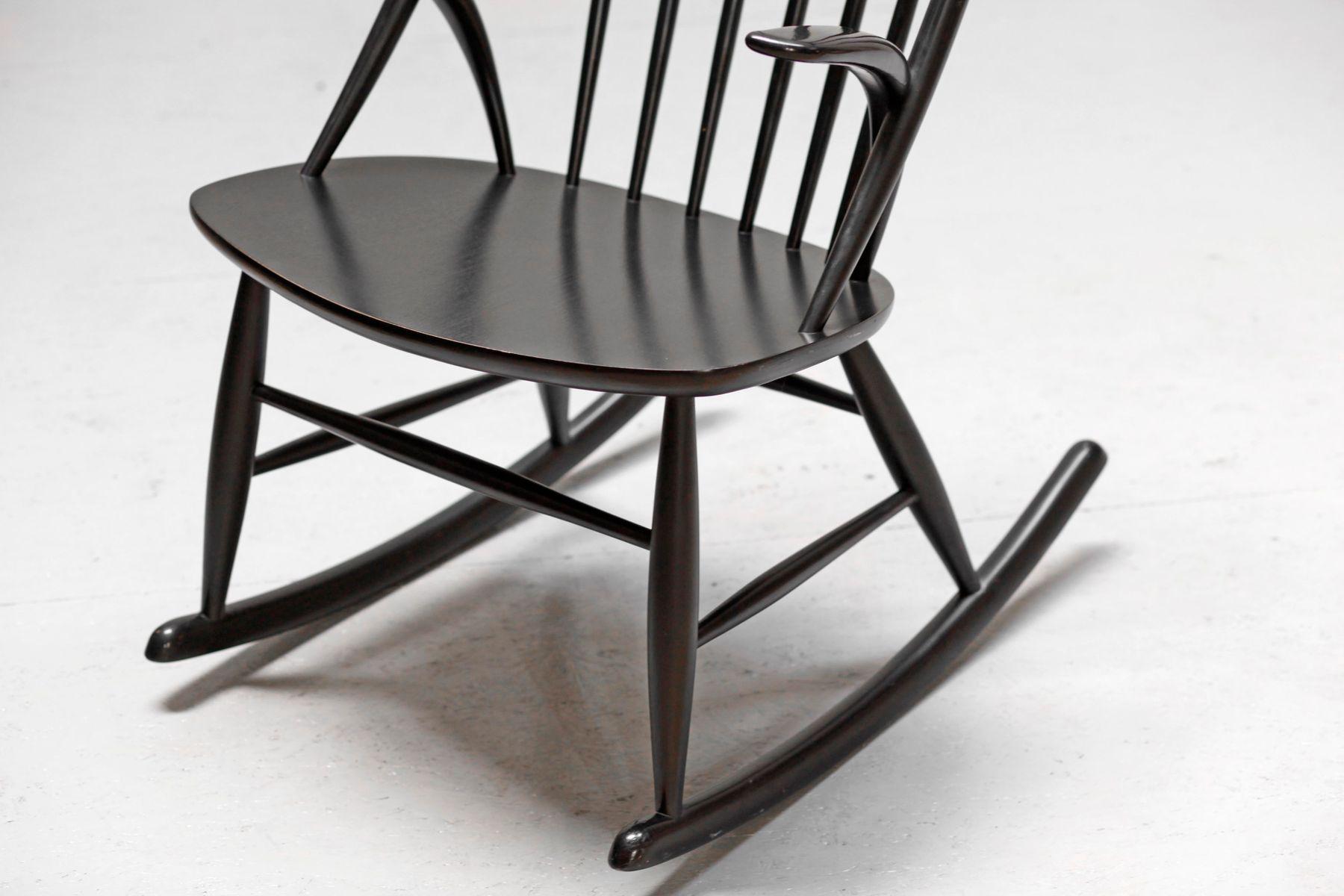 d nischer moderner number 3 schaukelstuhl von illum. Black Bedroom Furniture Sets. Home Design Ideas