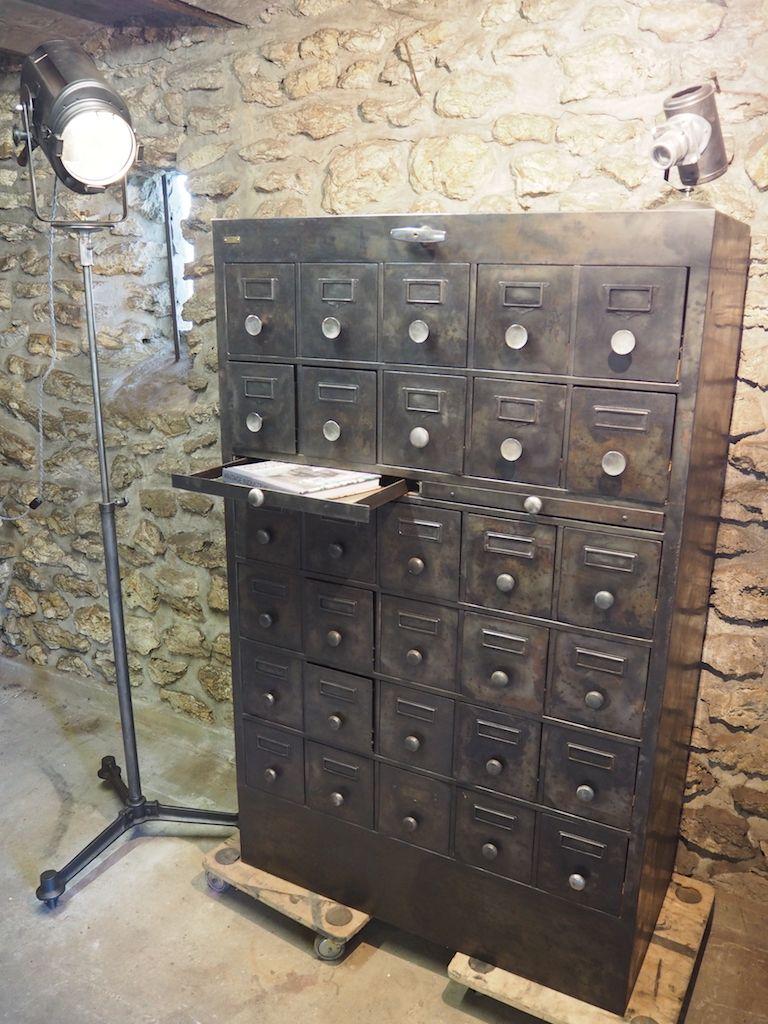 meuble de rangement indsutriel vintage en vente sur pamono. Black Bedroom Furniture Sets. Home Design Ideas
