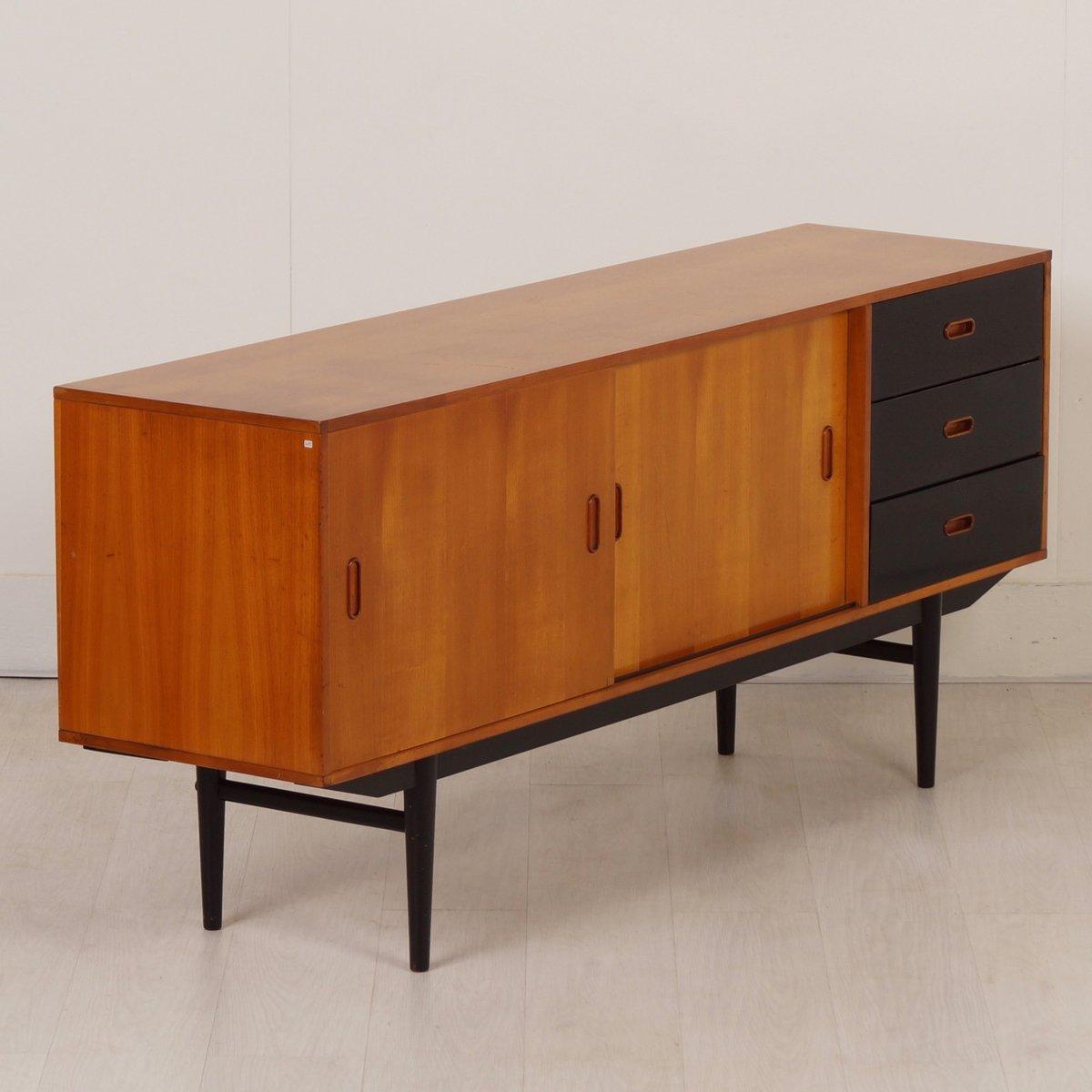 kiefer sideboard mit schwarzen schubladen von fristho 1950er bei pamono kaufen. Black Bedroom Furniture Sets. Home Design Ideas