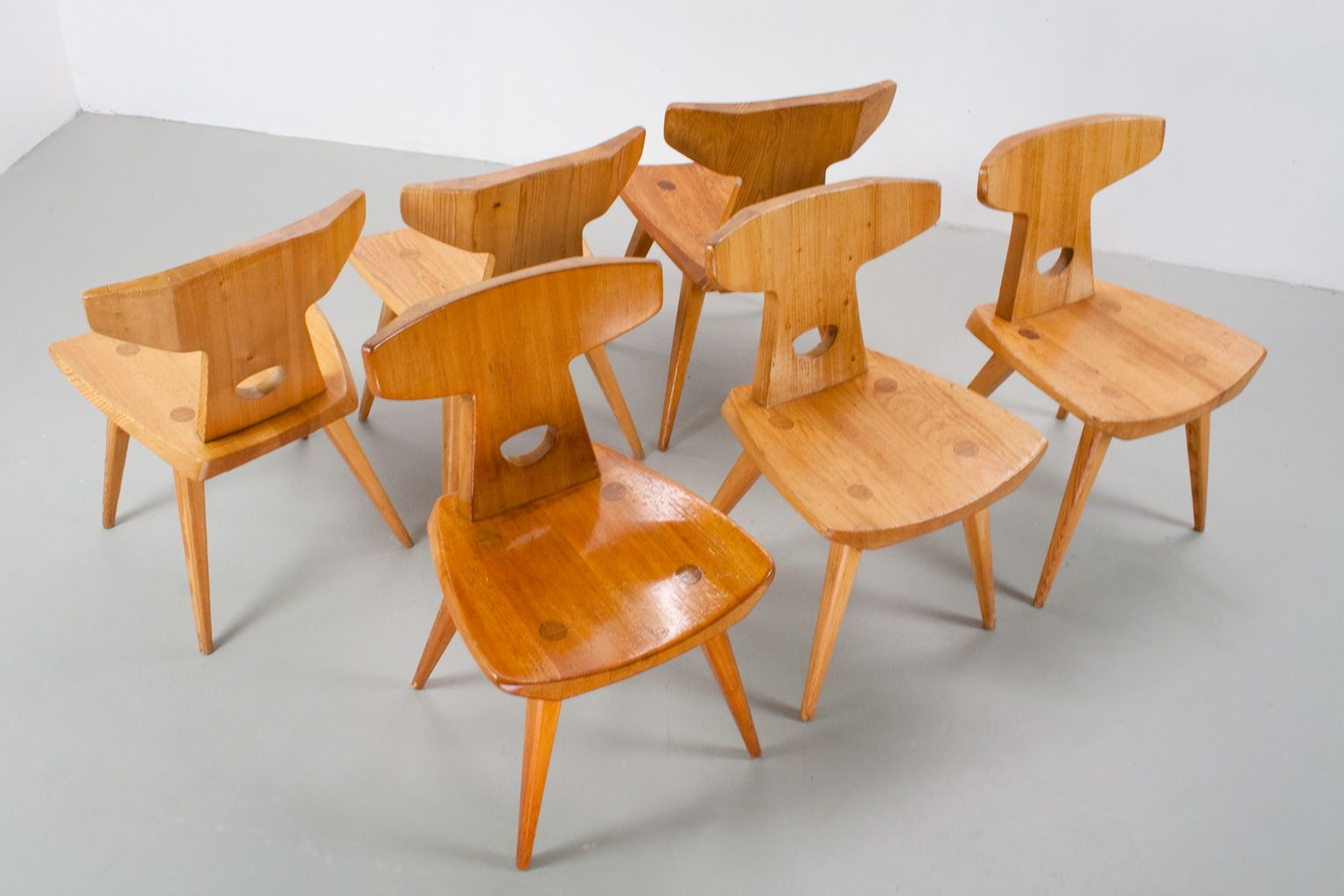 Sedie moderne in legno di pino di jacob kielland brandt for Set 6 sedie moderne