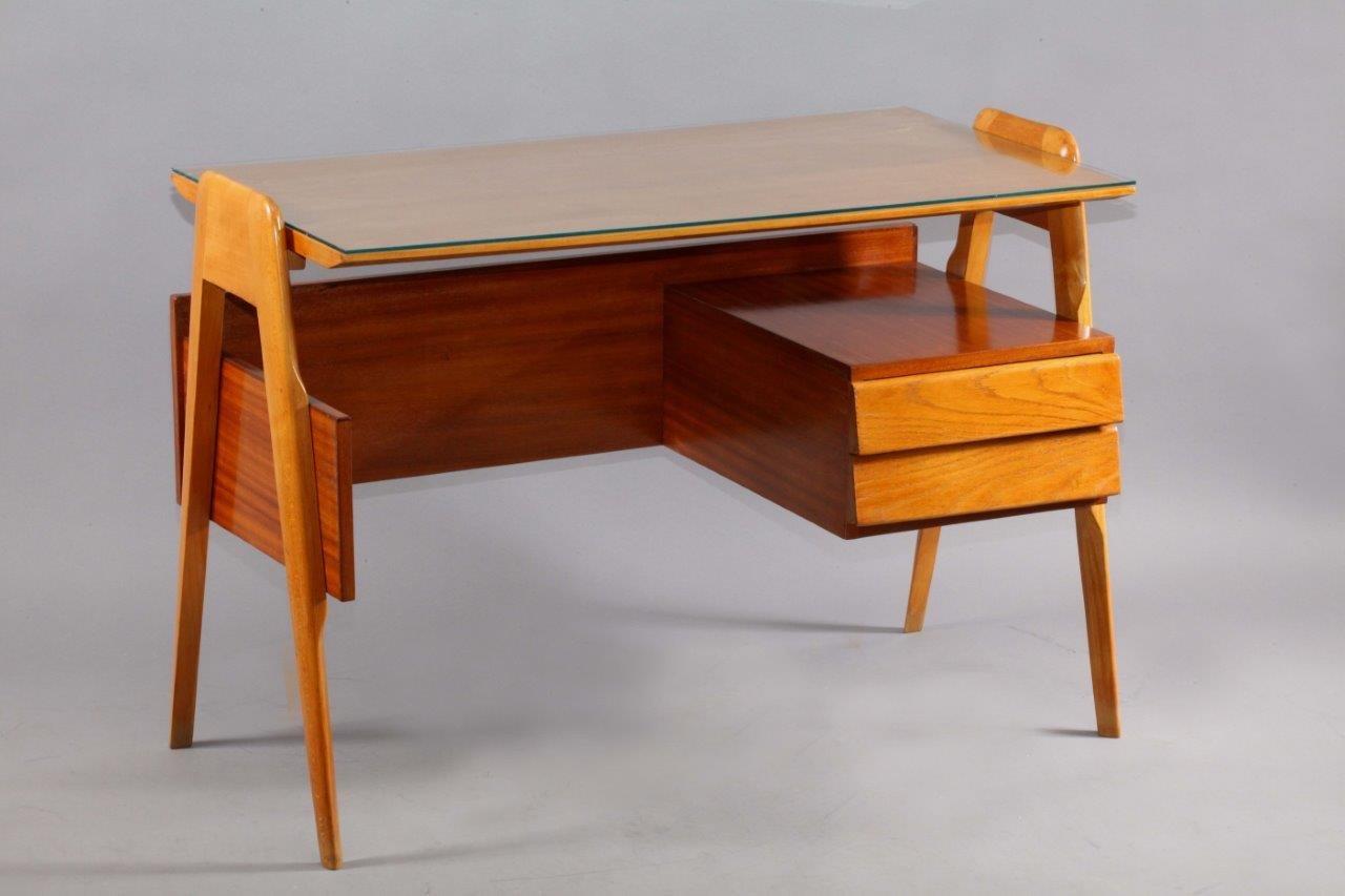 italienischer vintage schreibtisch von vittorio dassi 1960er bei pamono kaufen. Black Bedroom Furniture Sets. Home Design Ideas