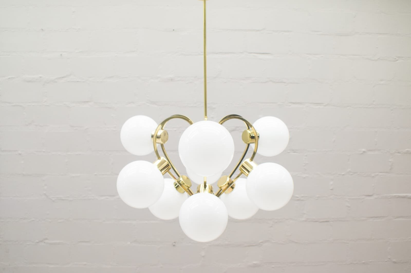 vintage lampe mit schirmen aus opalglas 1960er bei pamono kaufen. Black Bedroom Furniture Sets. Home Design Ideas
