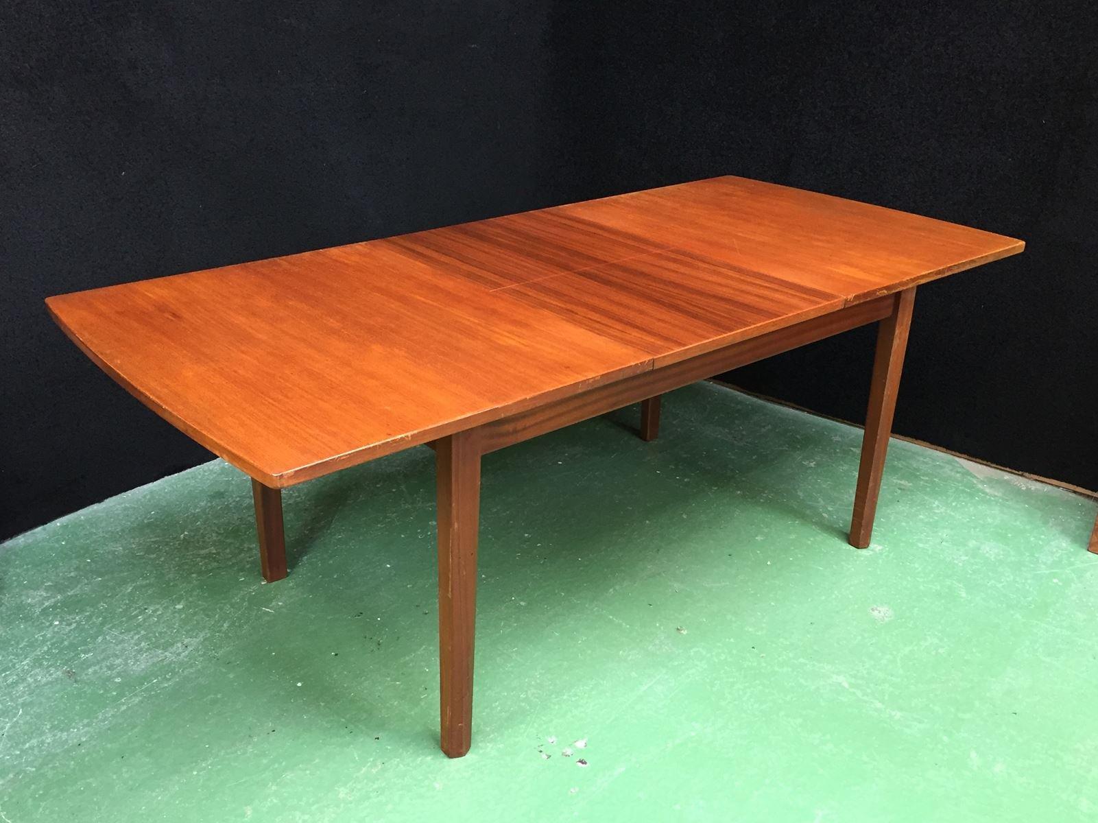 ausziehbarer teak tisch 1970er bei pamono kaufen. Black Bedroom Furniture Sets. Home Design Ideas