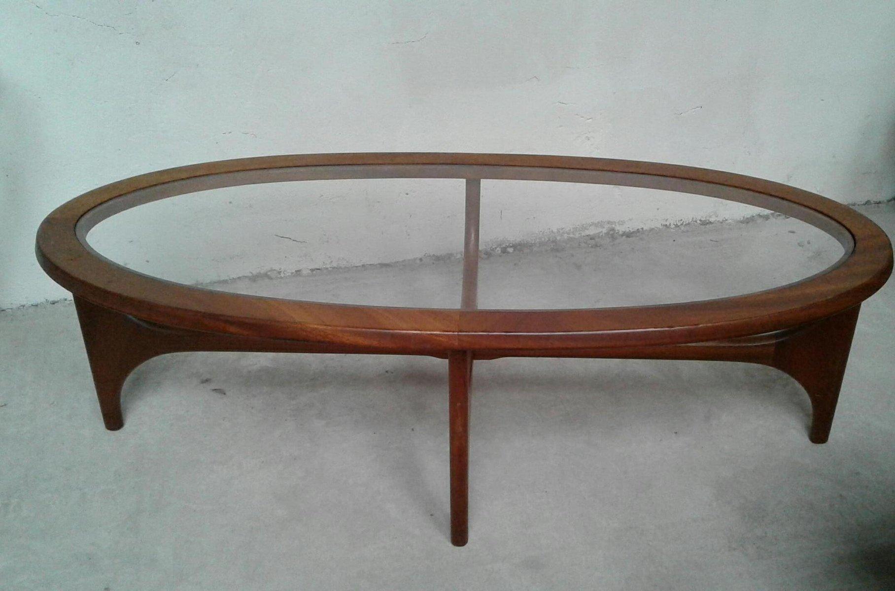 table basse vintage ovale en teck par stateroom pour stonehill 1960s en vente sur pamono. Black Bedroom Furniture Sets. Home Design Ideas