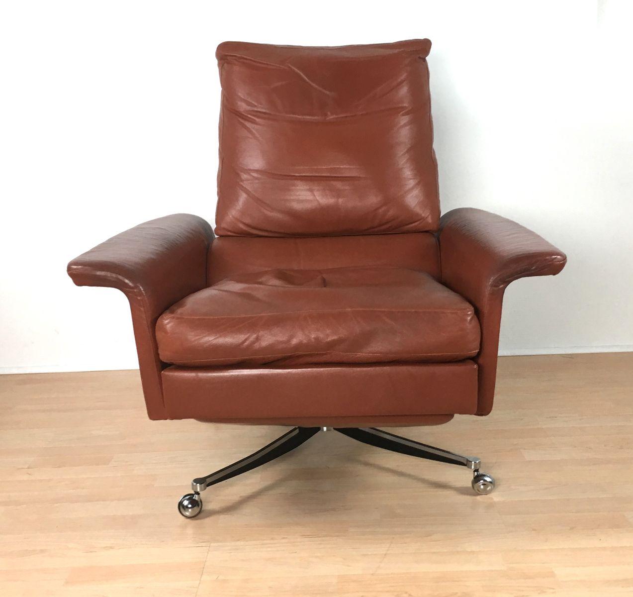 mid century leder drehsessel 1970er bei pamono kaufen. Black Bedroom Furniture Sets. Home Design Ideas