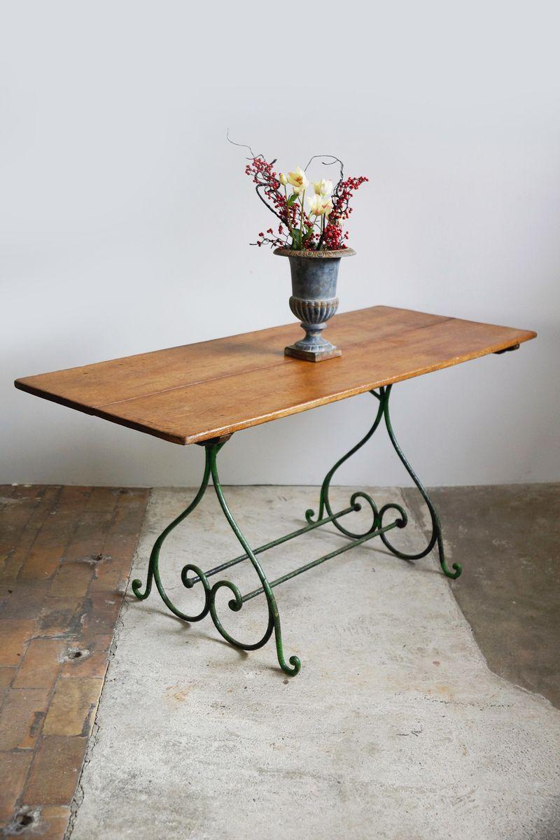 schmiedeeisen gartentisch mit eichenholz platte 1870er bei pamono kaufen. Black Bedroom Furniture Sets. Home Design Ideas