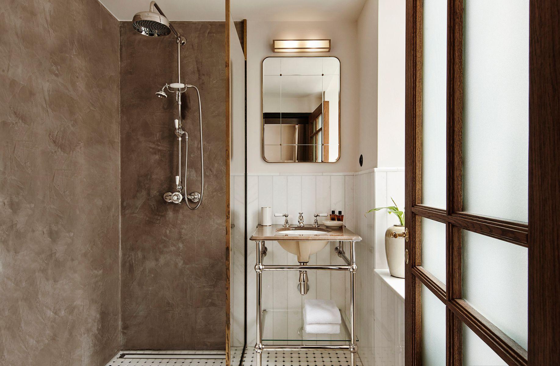 gro er spiegel von lind almond f r novocastrian bei pamono kaufen. Black Bedroom Furniture Sets. Home Design Ideas