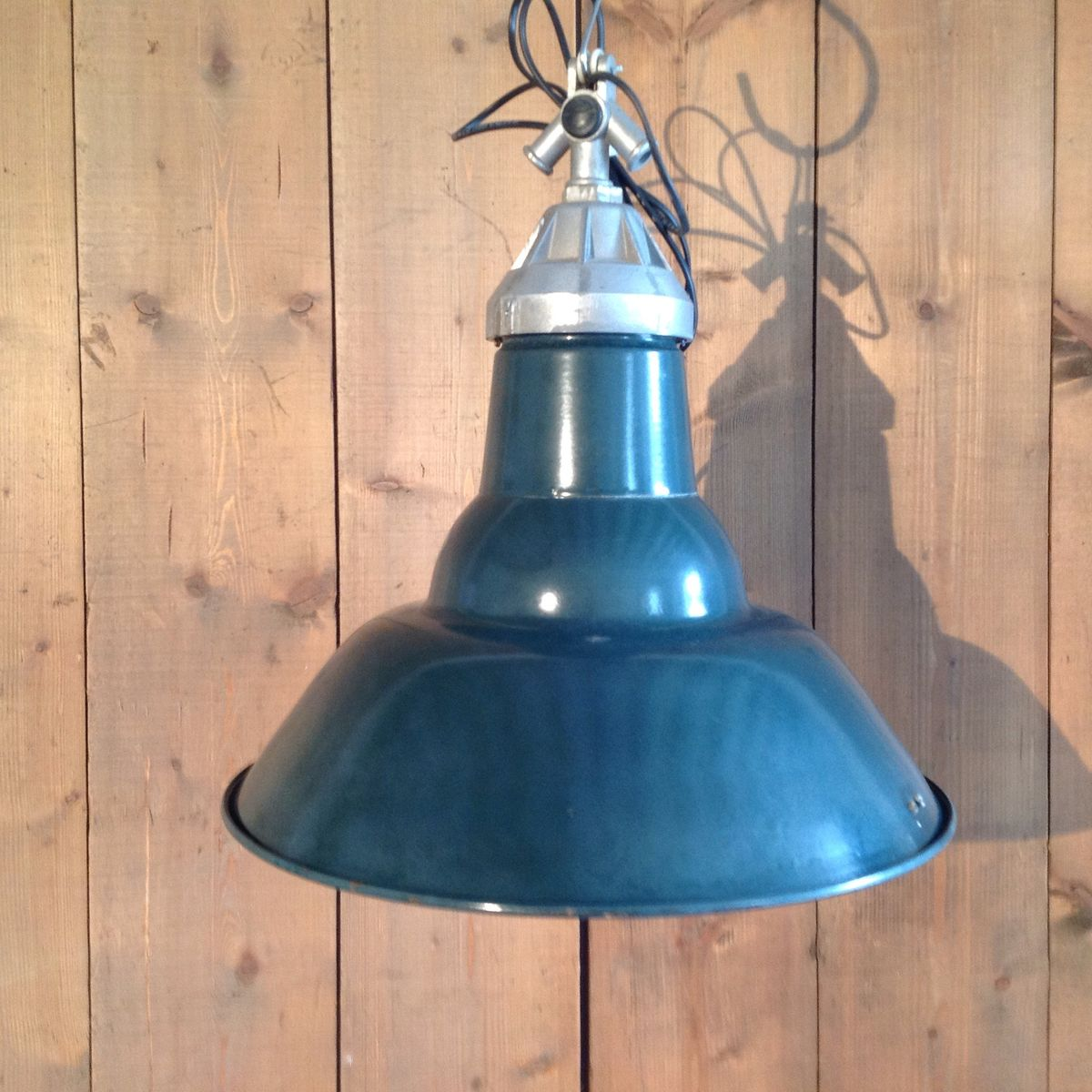 Vintage french industrial suspension light for sale at pamono - Suspension vintage industriel ...