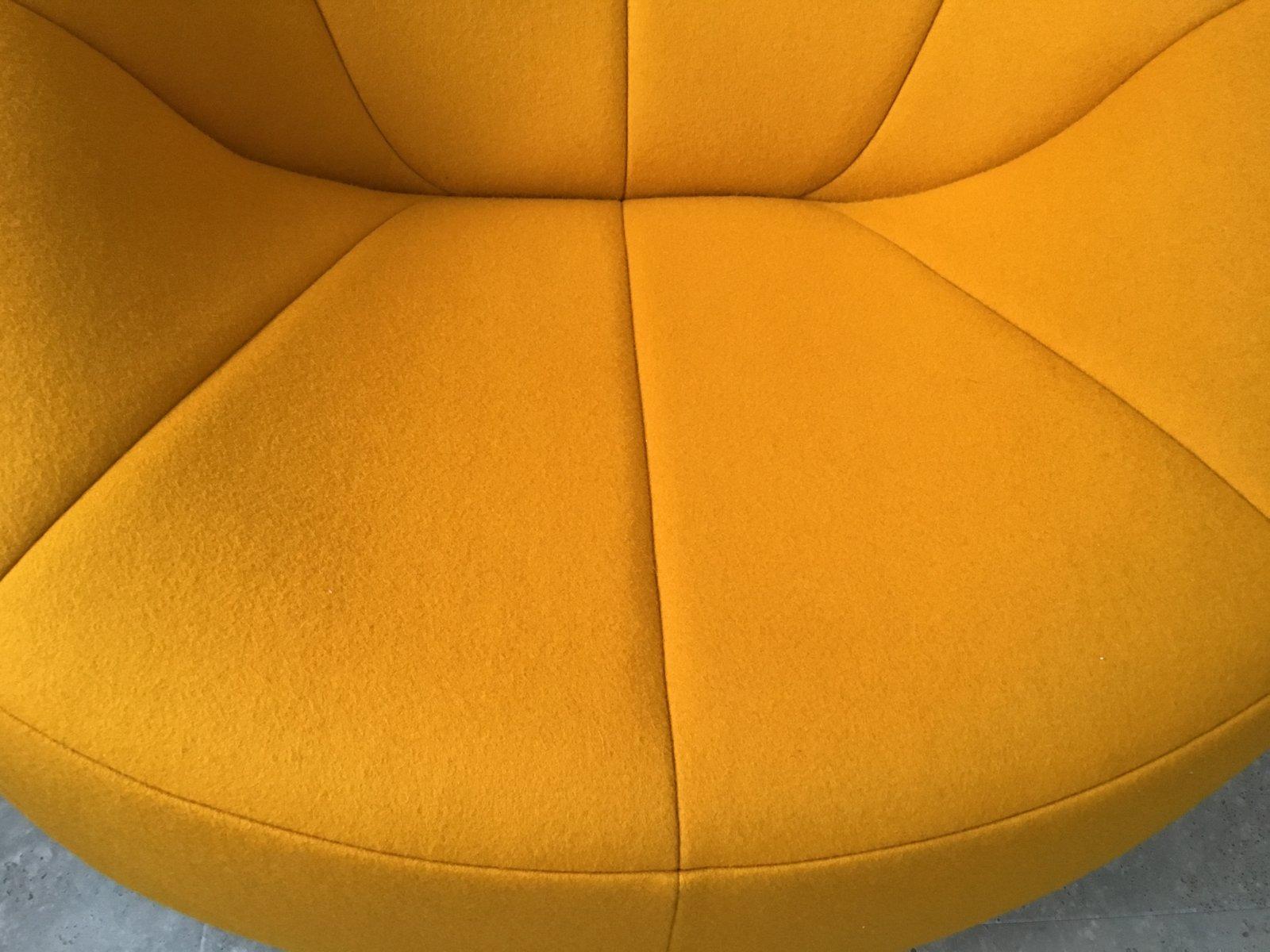 gelber mid century pumpkin sessel von pierre paulin f r ligne roset bei pamono kaufen. Black Bedroom Furniture Sets. Home Design Ideas