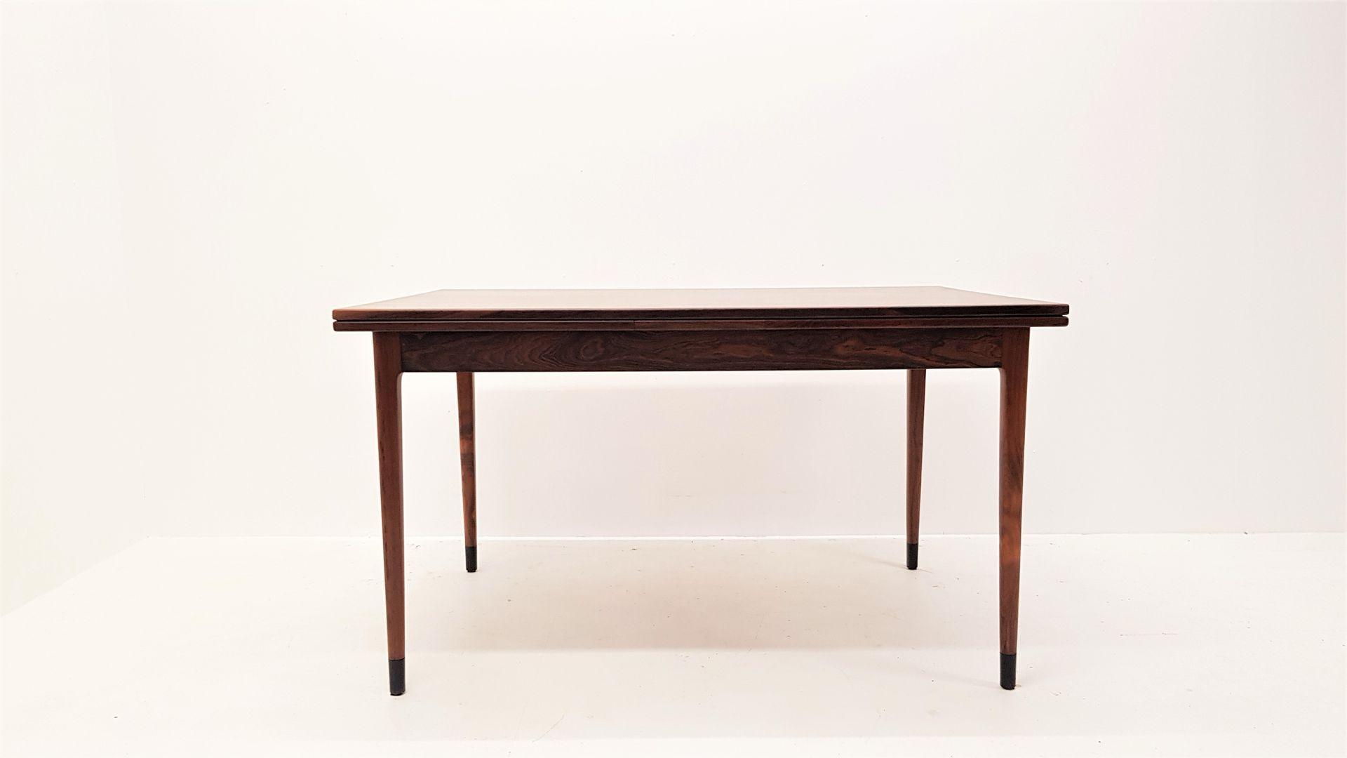 Table de Salle  Manger Mod¨le 9 en Palissandre par Niels Otto
