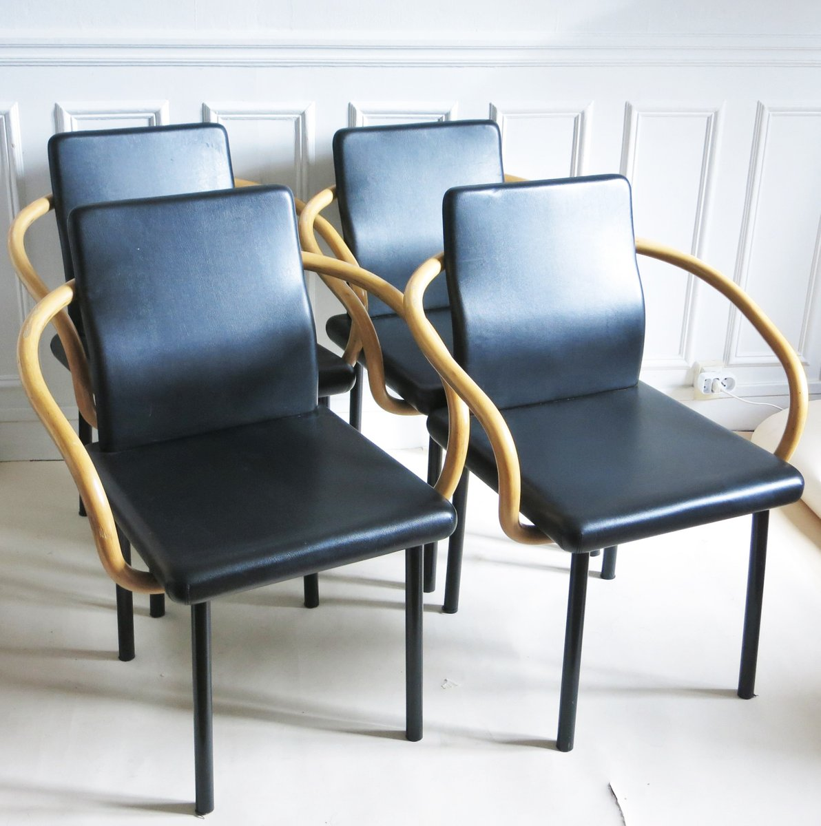 mundarin st hle von ettore sottsass f r knoll 1980er 4er set bei pamono kaufen. Black Bedroom Furniture Sets. Home Design Ideas