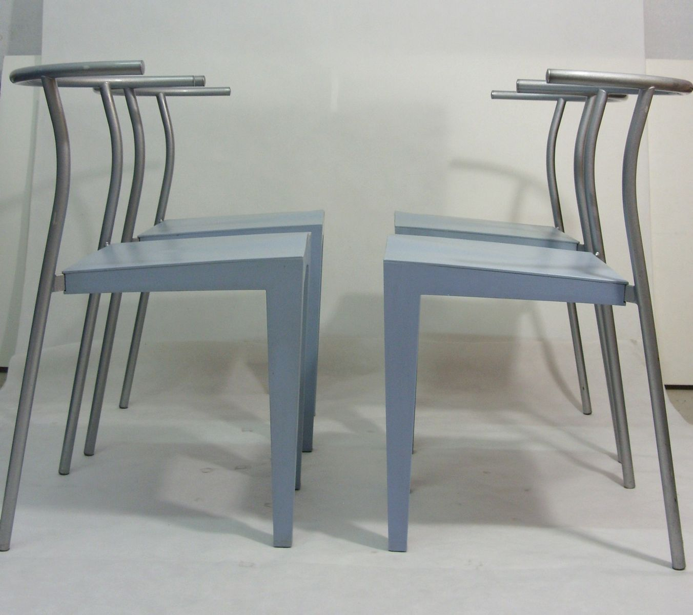 dr glob st hle von philippe starck f r kartell 1988 4er. Black Bedroom Furniture Sets. Home Design Ideas