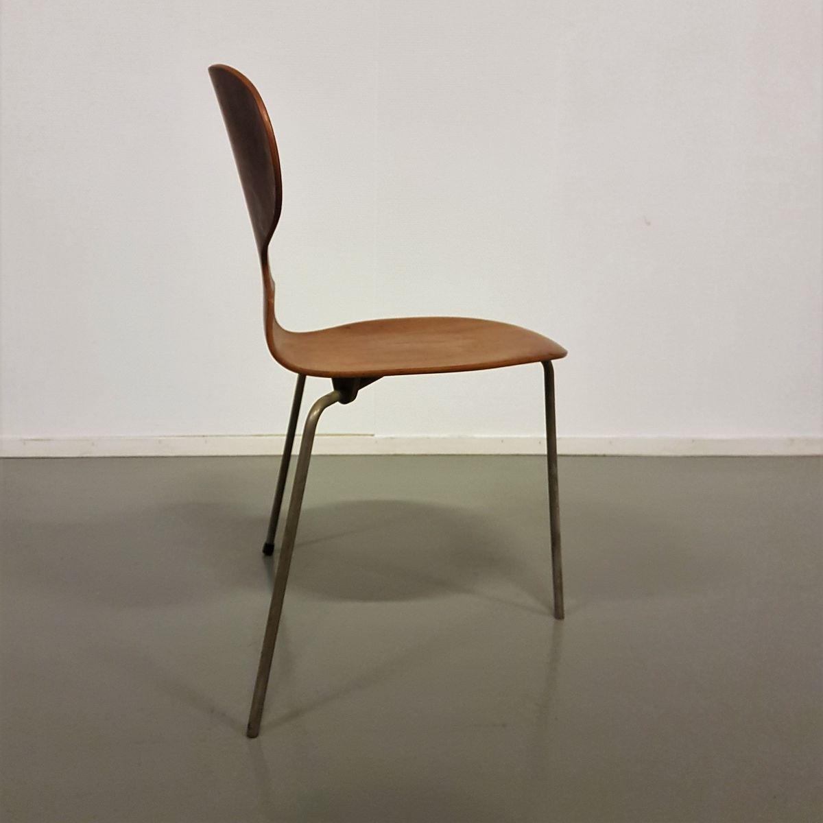 model 3100 ant chair by arne jacobsen for fritz hansen 1950s for sale at pamono. Black Bedroom Furniture Sets. Home Design Ideas