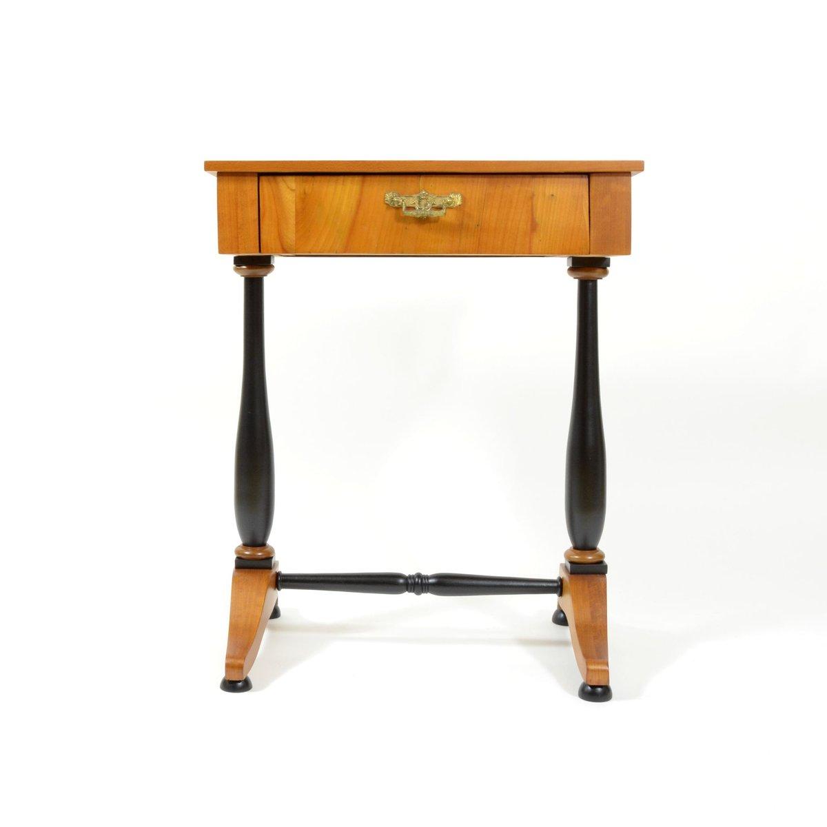 antiker kirschholz n htisch bei pamono kaufen. Black Bedroom Furniture Sets. Home Design Ideas
