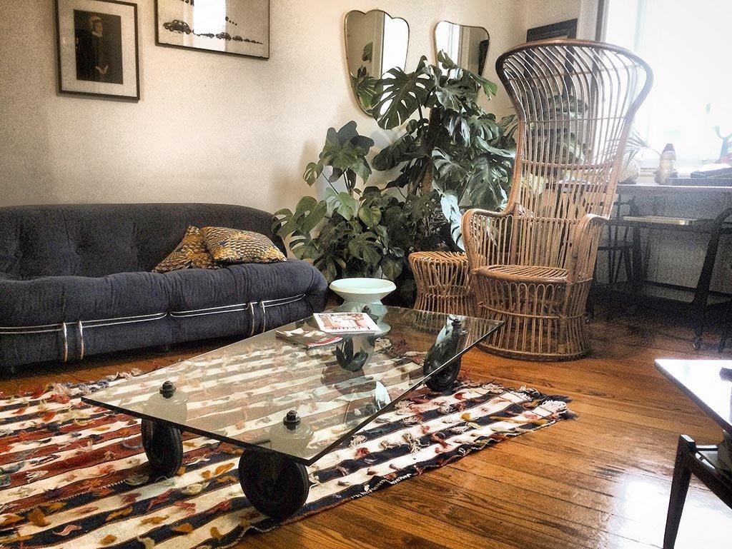 couchtisch mit r dern von gae aulenti f r fontana arte. Black Bedroom Furniture Sets. Home Design Ideas