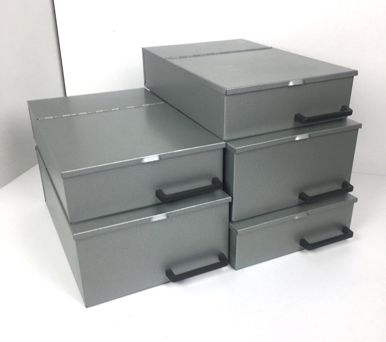 Vintage Metal Boxes 44