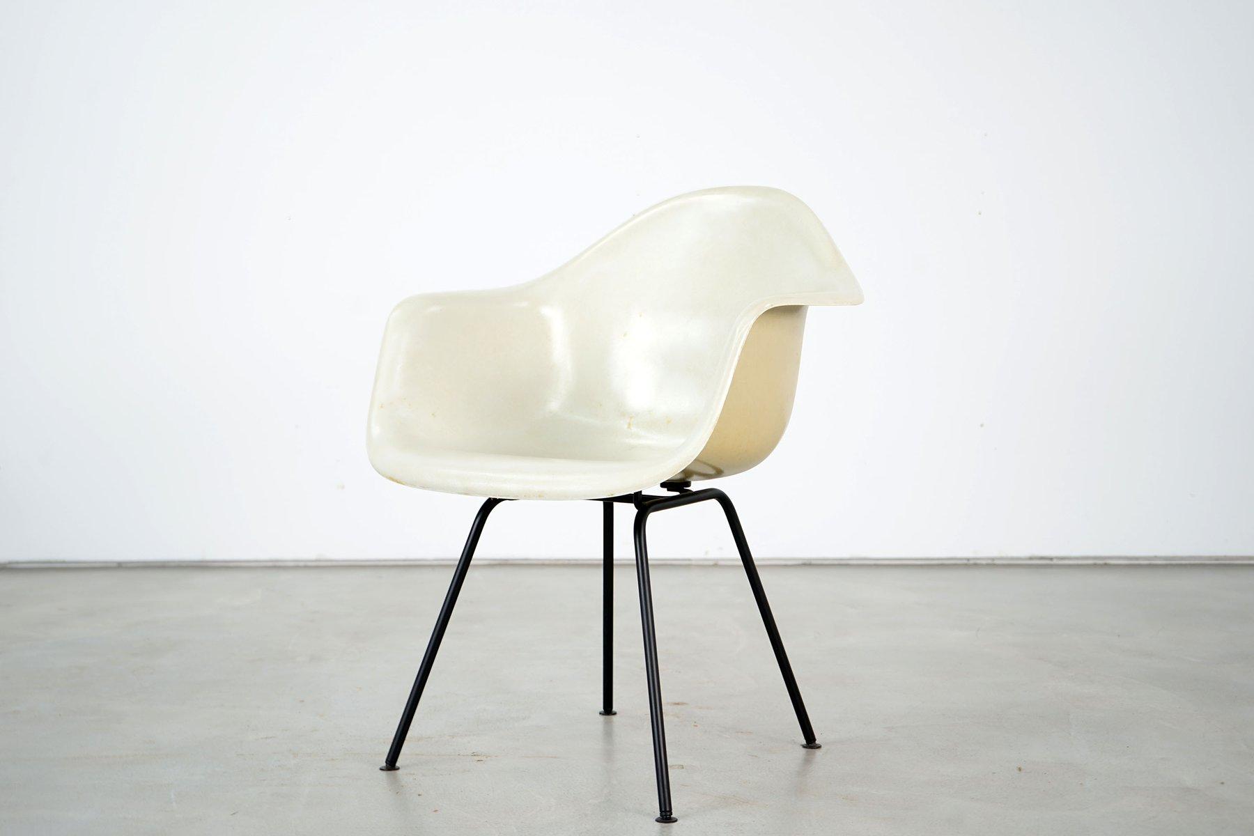 glasfaser sessel von charles ray eames f r herman miller 1960er bei pamono kaufen. Black Bedroom Furniture Sets. Home Design Ideas