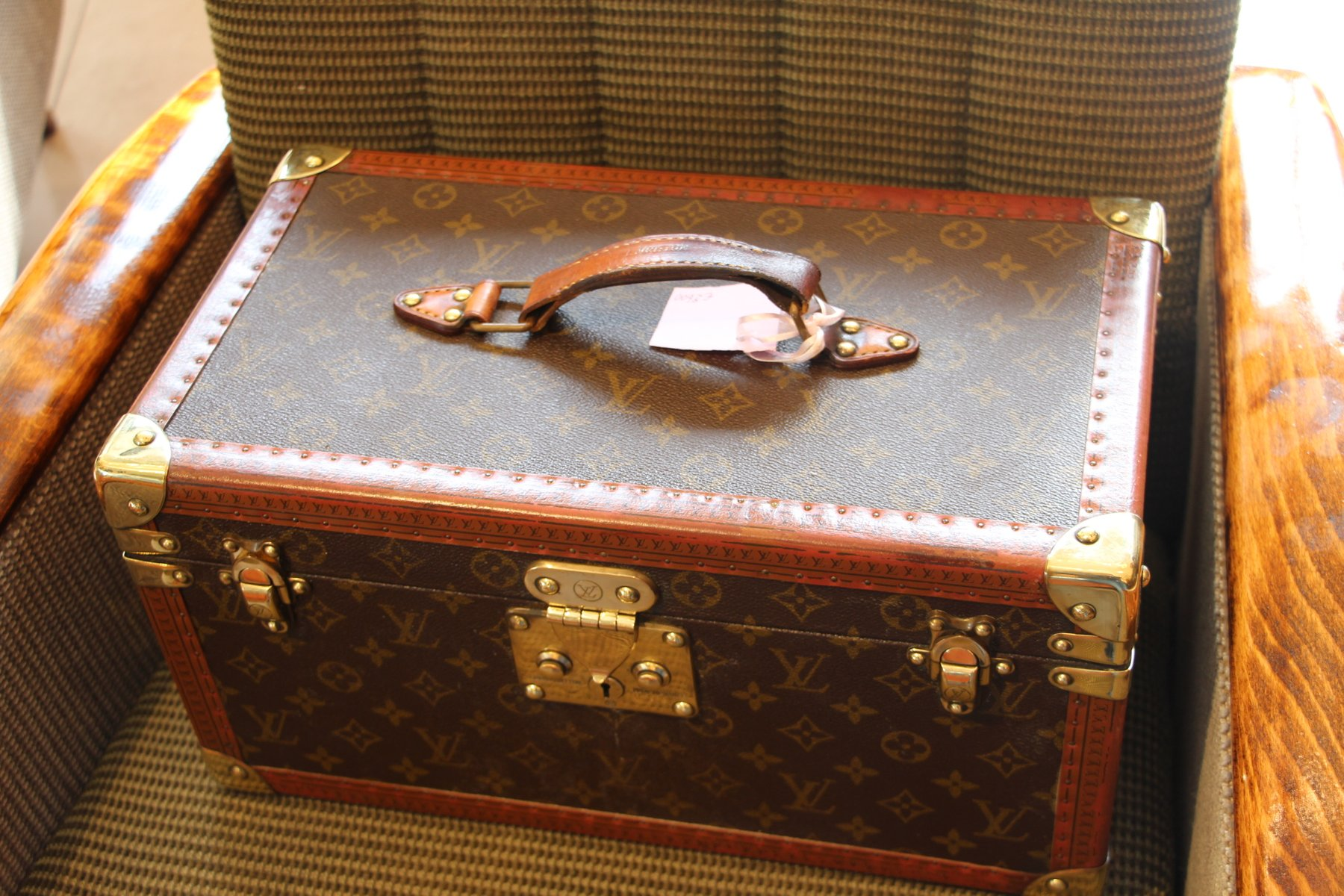 vintage vanity case from louis vuitton 1980s for sale at pamono. Black Bedroom Furniture Sets. Home Design Ideas