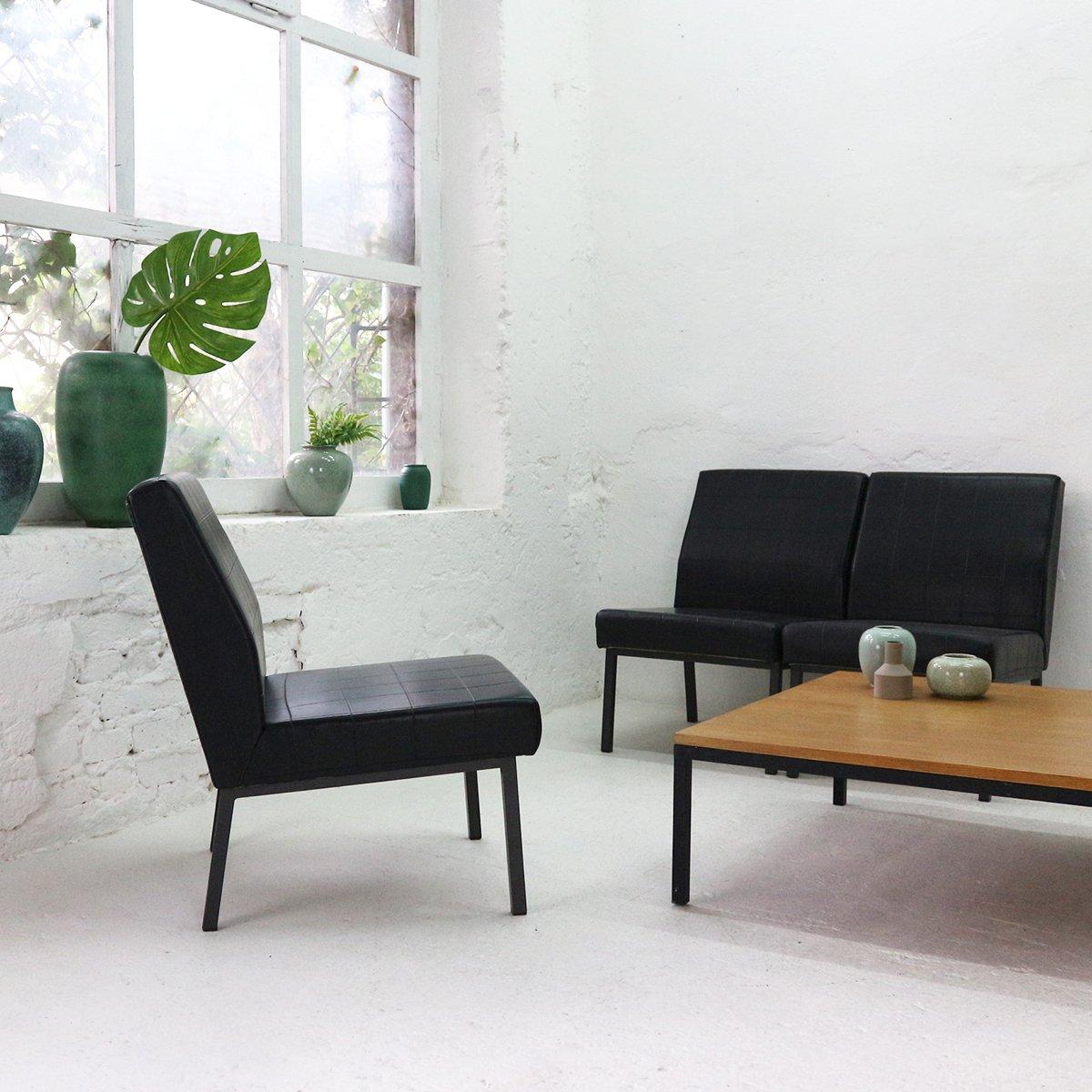 schwarzer sessel aus kunstleder 1960er bei pamono kaufen. Black Bedroom Furniture Sets. Home Design Ideas