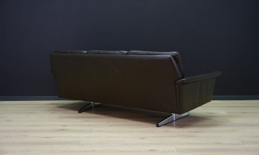 mid century sofa aus leder verchromtem stahl bei pamono kaufen. Black Bedroom Furniture Sets. Home Design Ideas