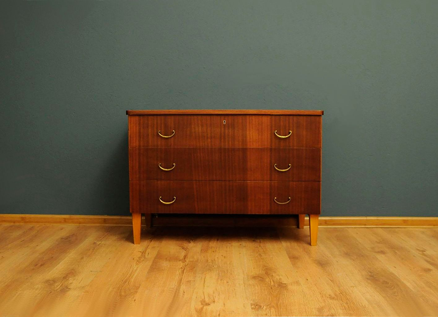 d nische kommode 1960er bei pamono kaufen. Black Bedroom Furniture Sets. Home Design Ideas