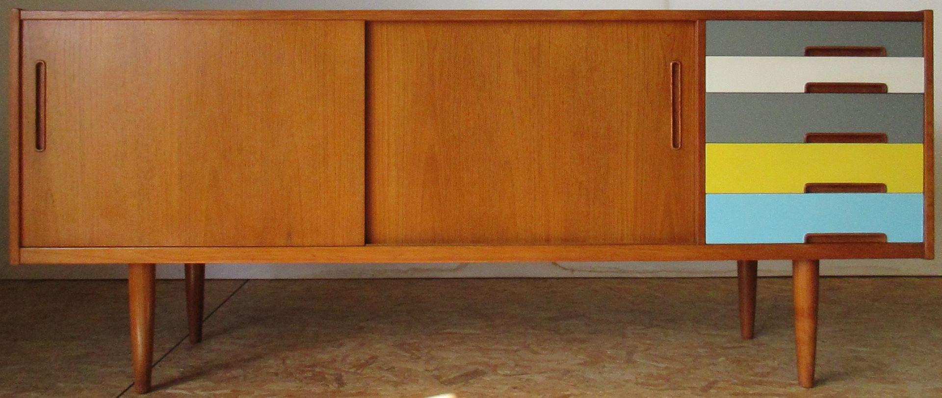 skandinavisches vintage teak sideboard von nils jonsson f r hugo troeds bei pamono kaufen. Black Bedroom Furniture Sets. Home Design Ideas