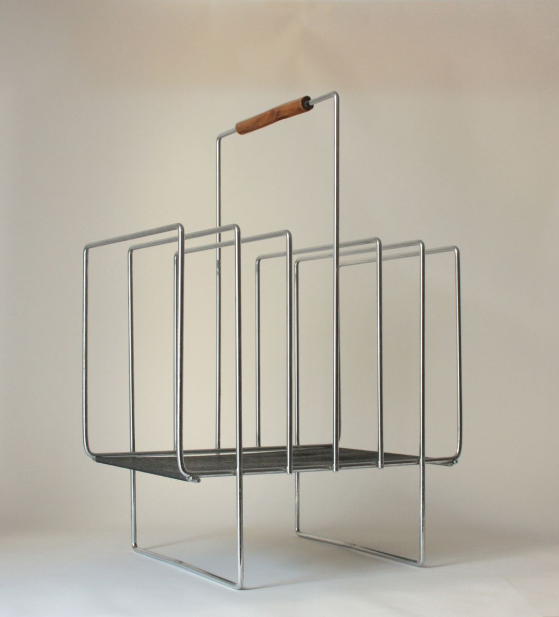 Mid-Century Chrome Plated Wire Magazine Rack, 1970s for sale at Pamono