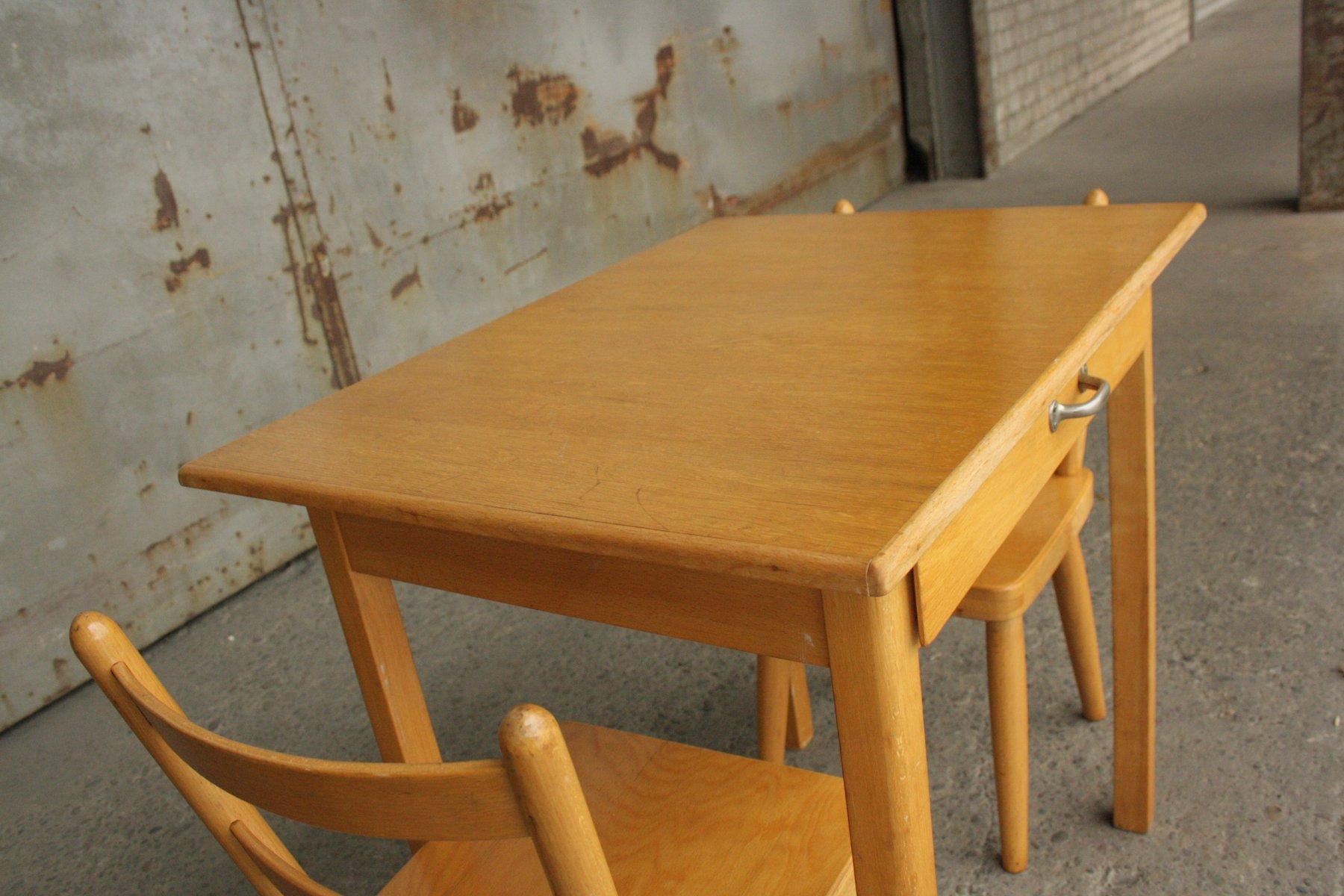 vintage kinder tisch und stuhl von hiller 1960er bei pamono kaufen. Black Bedroom Furniture Sets. Home Design Ideas