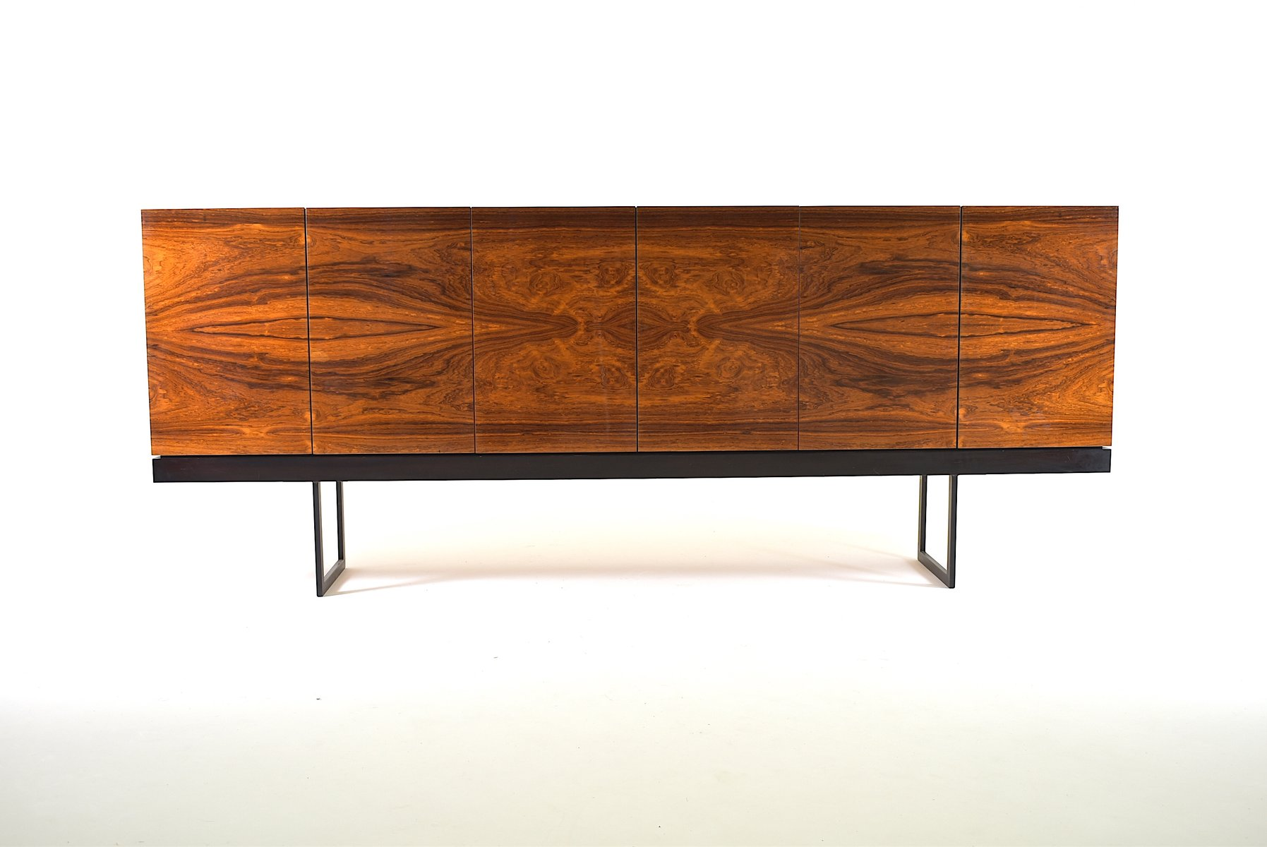 gro es minimalistisches vintage palisander sideboard bei. Black Bedroom Furniture Sets. Home Design Ideas