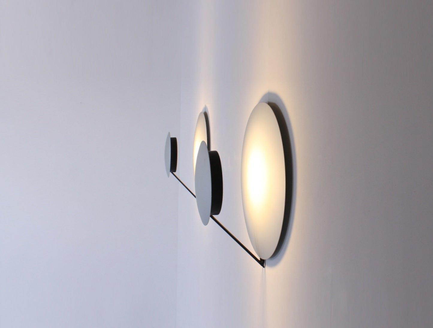 Italienische Aluminium Vega Wandlampe von Cesaro & Amico für Tre Ci ...