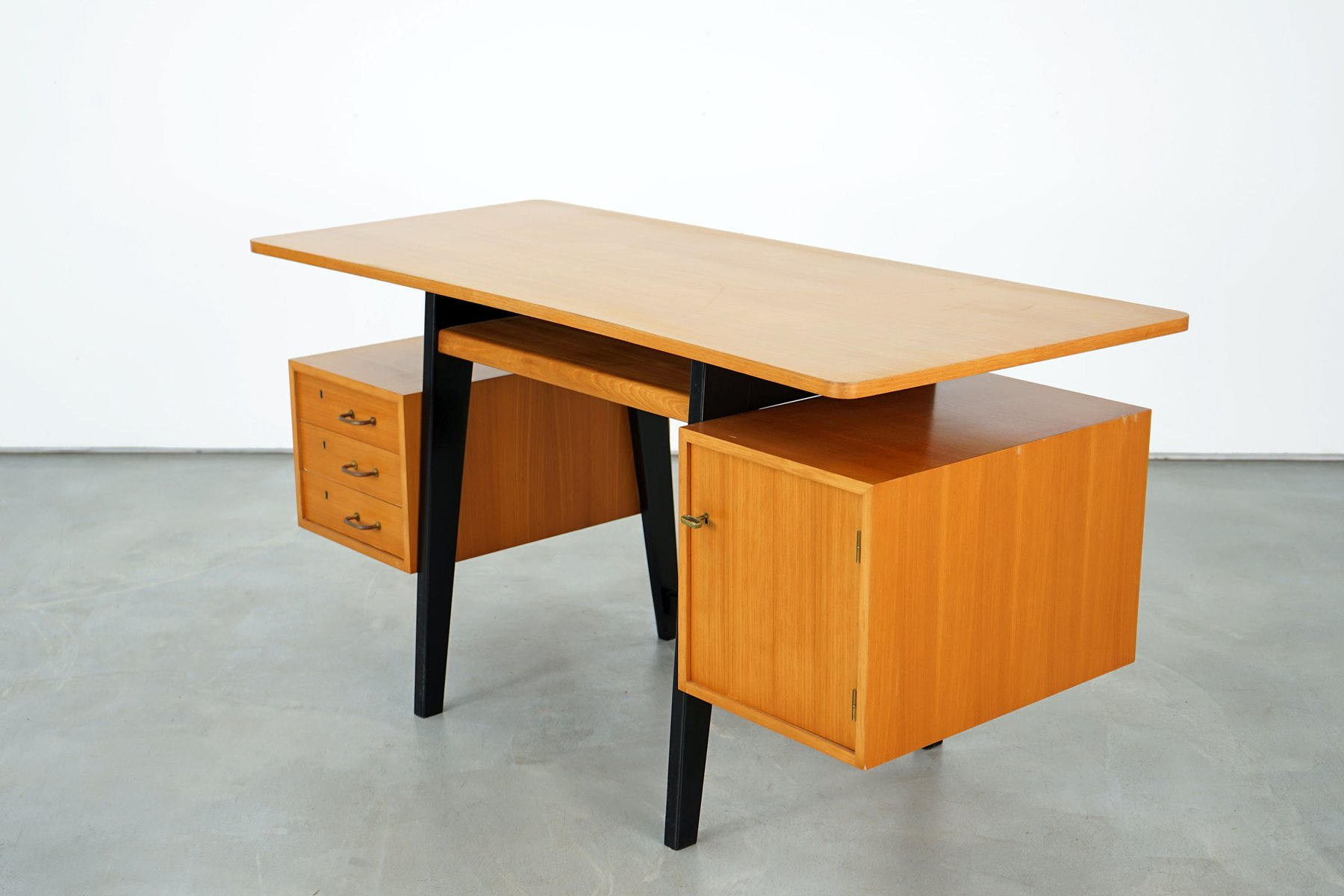 bureau en fr ne 1950s en vente sur pamono. Black Bedroom Furniture Sets. Home Design Ideas