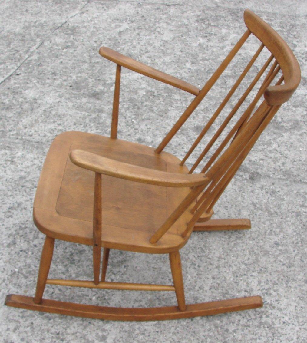 Sedia a dondolo di Lucian Ercolani per Ercol, anni \'50 in vendita su ...