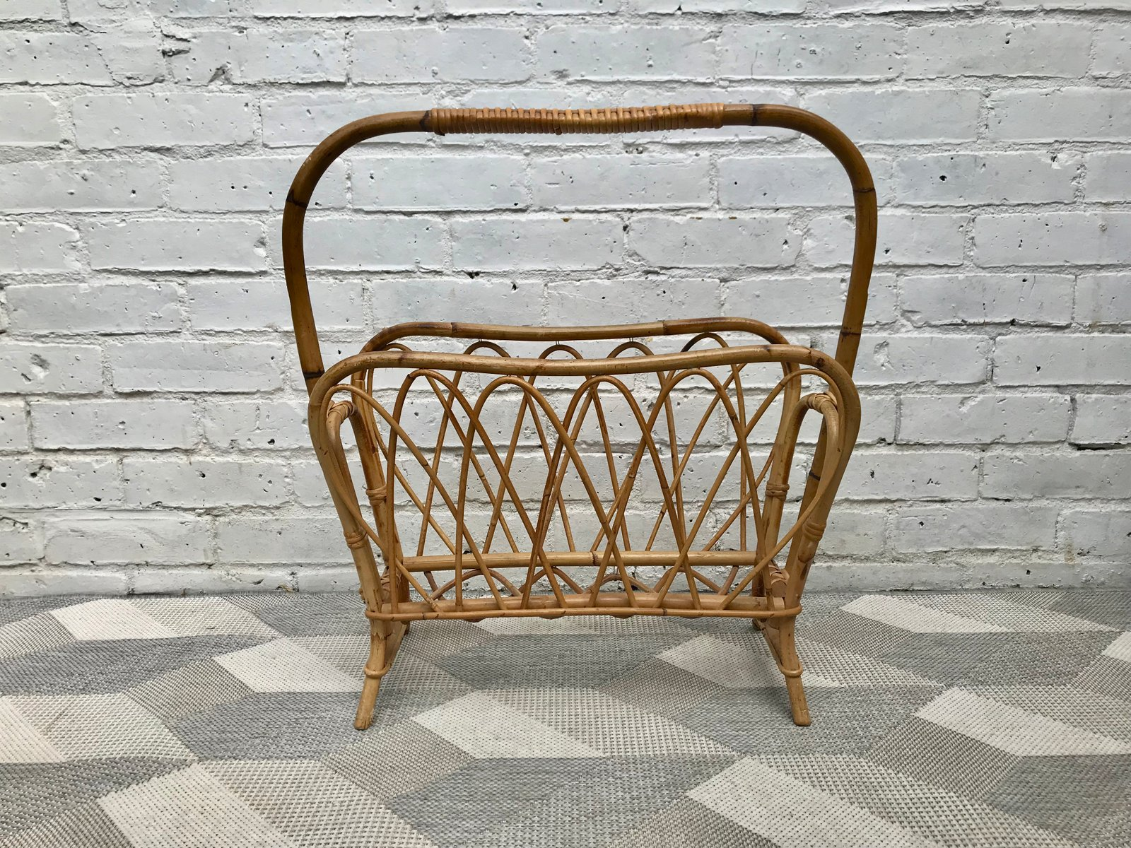 porte revue en osier 1960s en vente sur pamono. Black Bedroom Furniture Sets. Home Design Ideas
