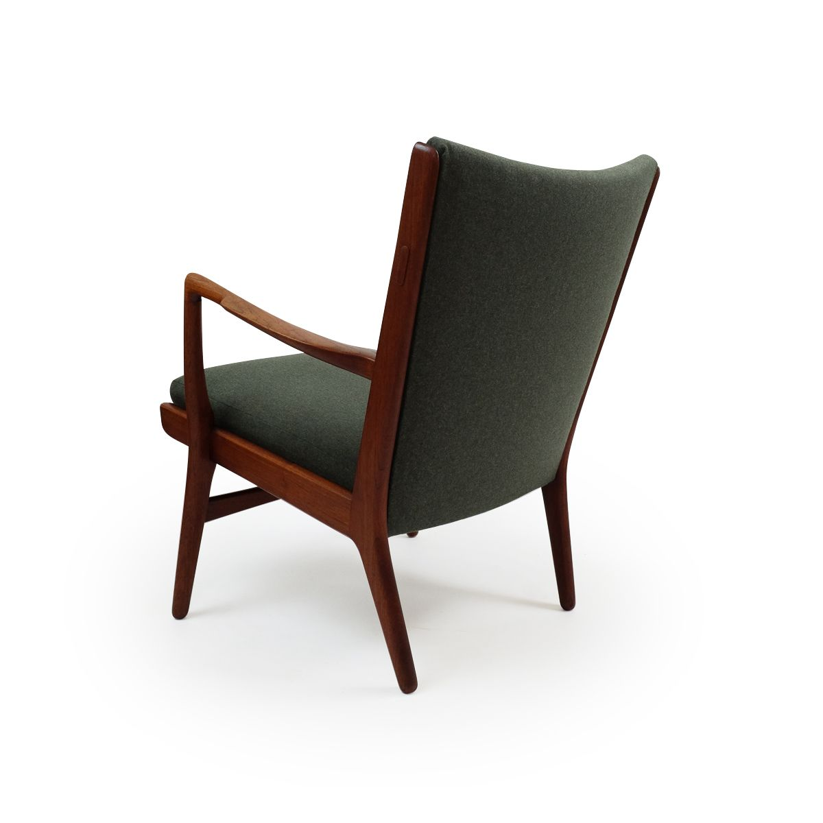 modell ap16 sessel von hans j wegner f r a p stolen. Black Bedroom Furniture Sets. Home Design Ideas