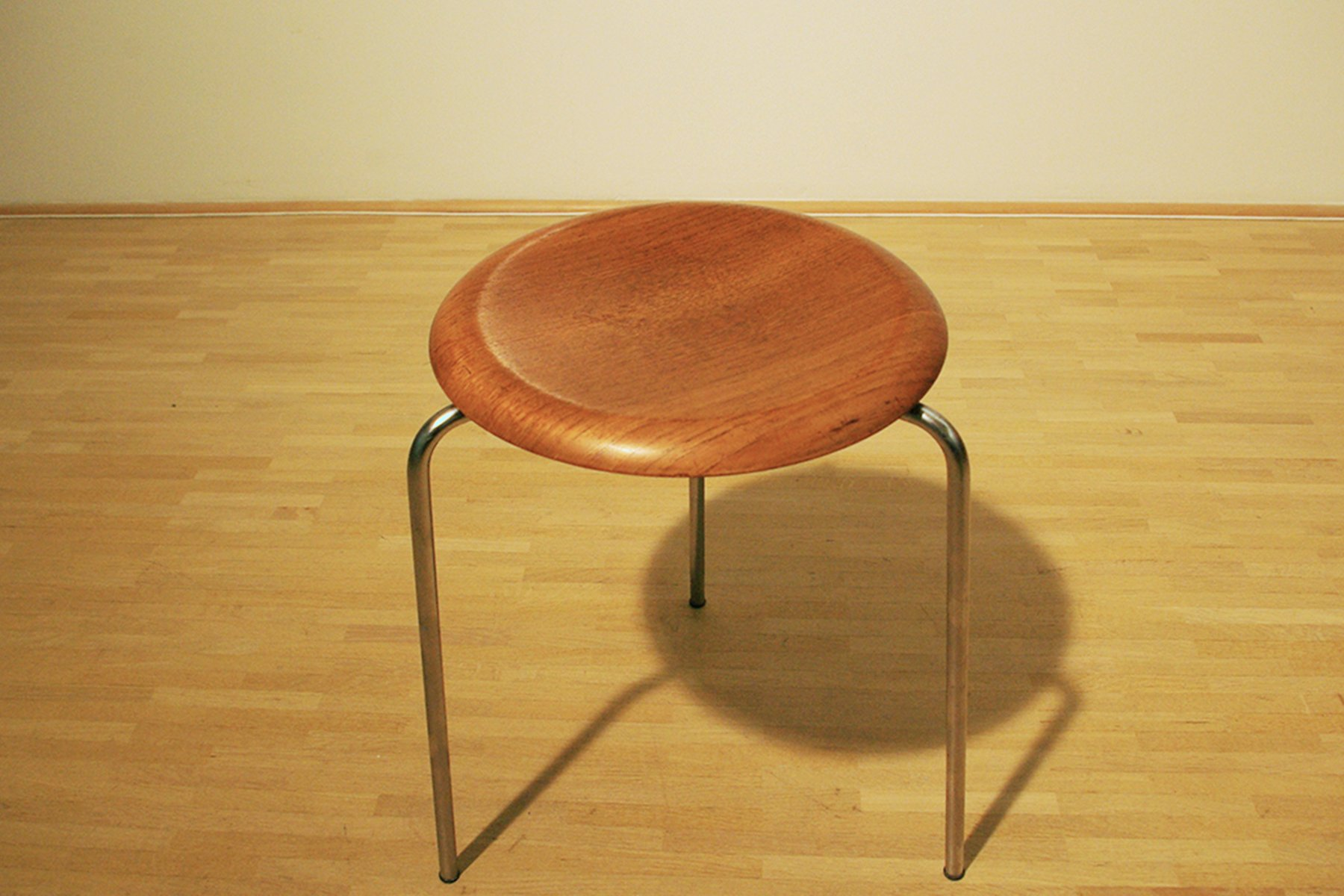 Vintage 3 Legged Model 3170 Stool By Arne Jacobsen For
