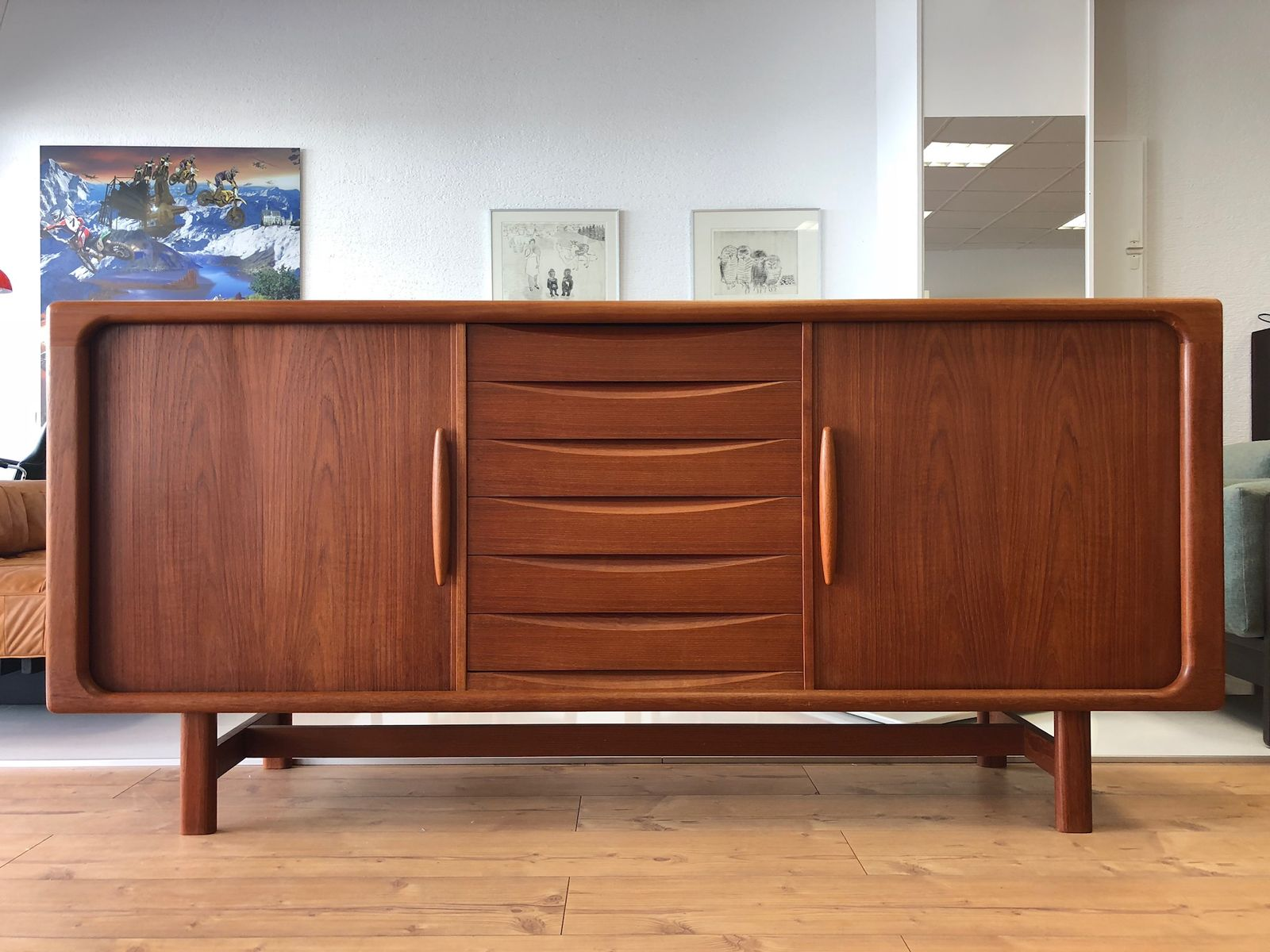 d nisches teak sideboard von dyrlund 1970er bei pamono kaufen. Black Bedroom Furniture Sets. Home Design Ideas