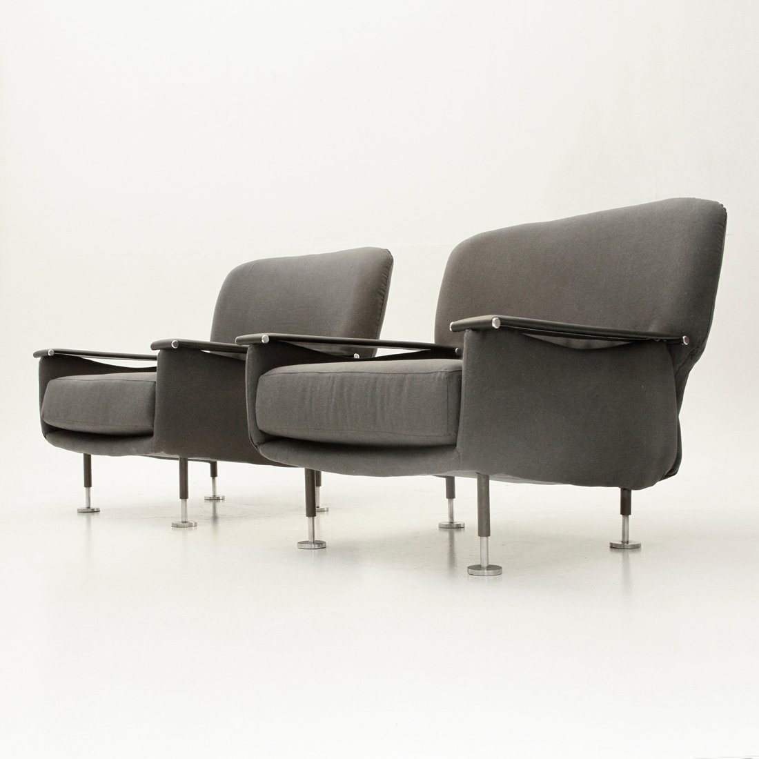italienische graue armlehnst hle 1950er 2er set bei. Black Bedroom Furniture Sets. Home Design Ideas