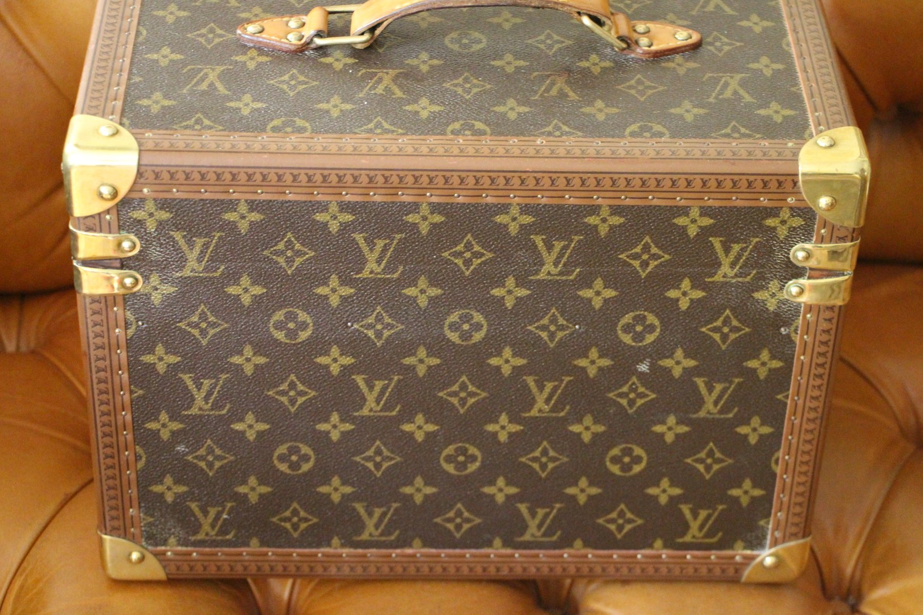 louis vuitton in japan the magic touch case Louis vuitton japan: the building of luxury [kyojiro hata] on amazoncom  free shipping on qualifying offers through first hand accounts of high-profile.